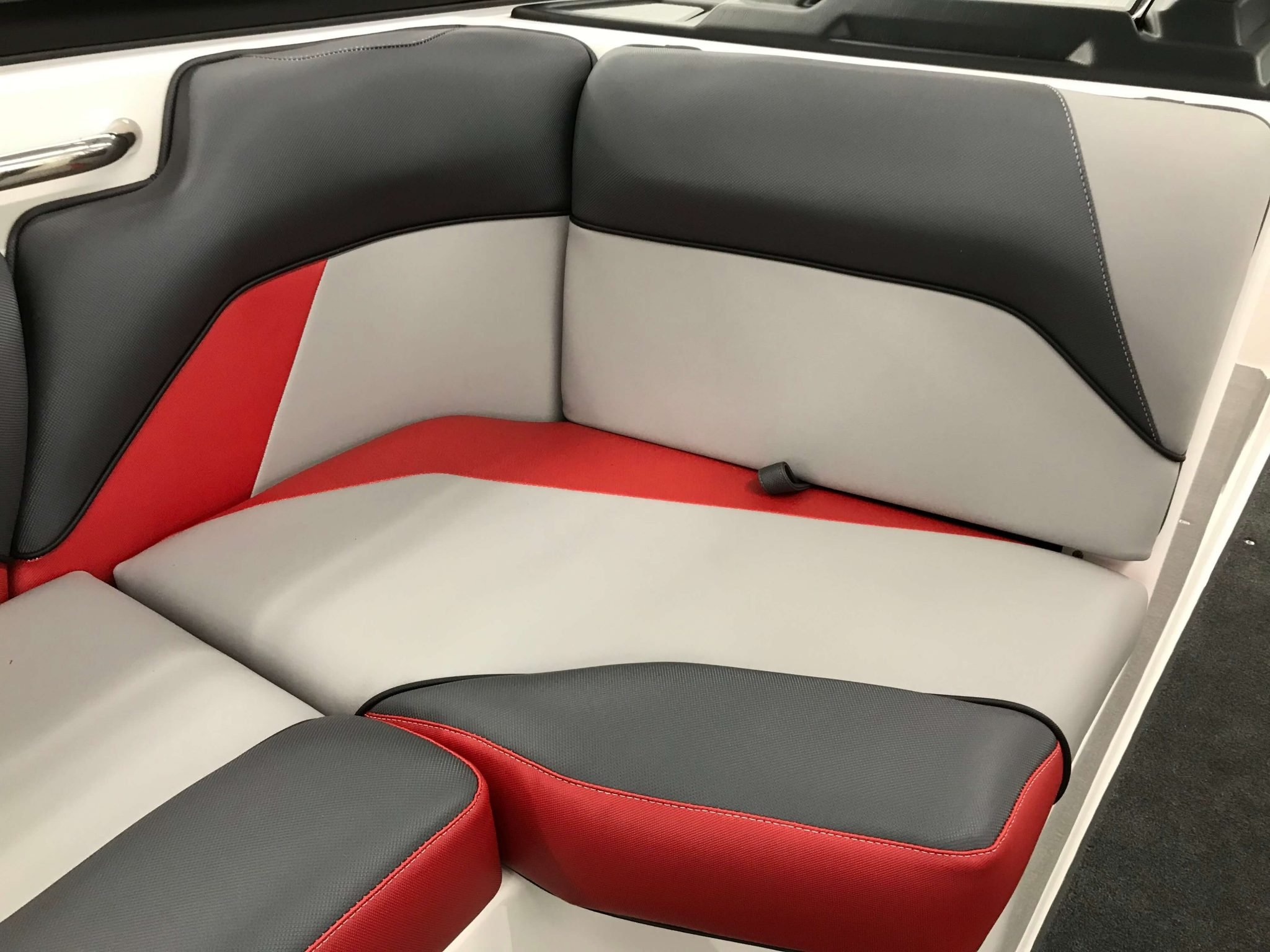 2019 Moomba Mondo Interior Seating 4