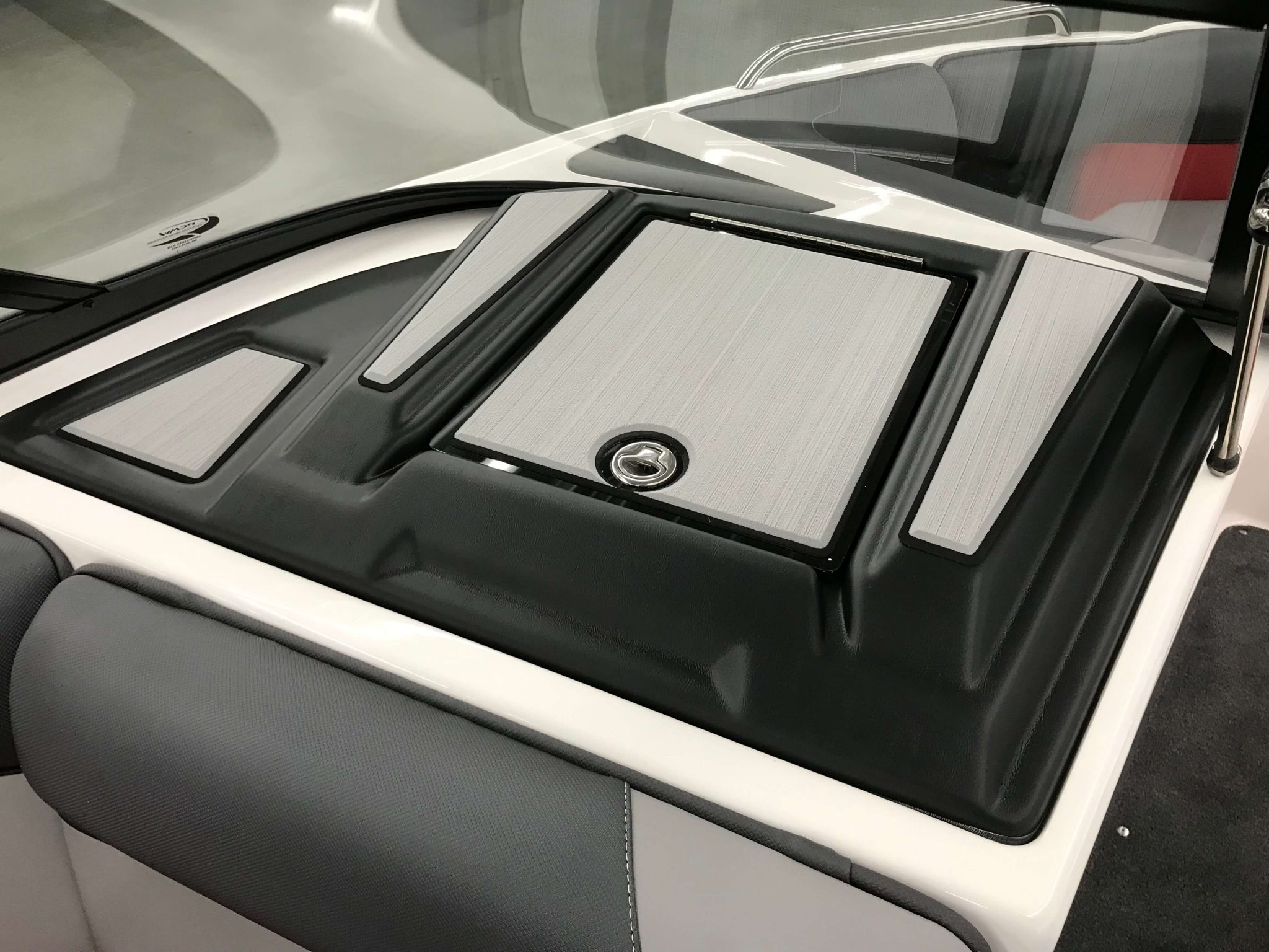 2019 Moomba Mondo Glove Box