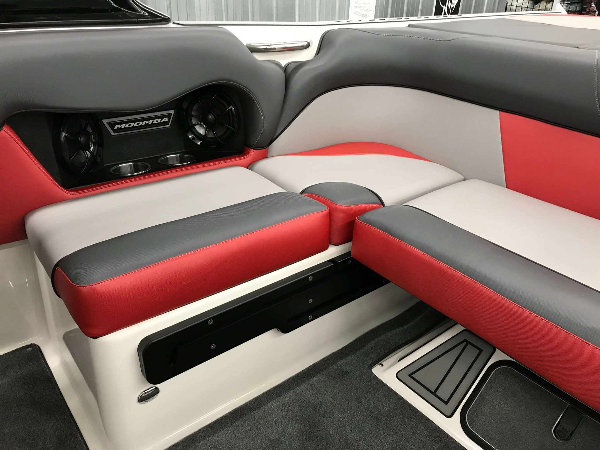 2019 Moomba Mondo Interior Seating 5
