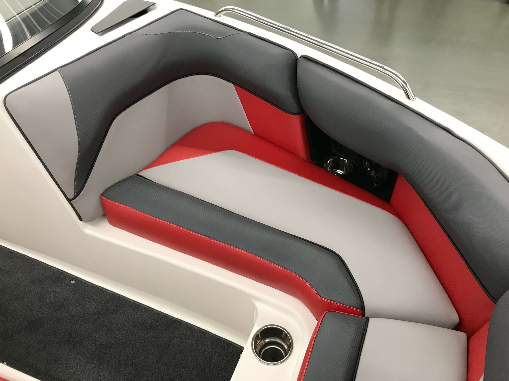2019 Moomba Mondo Bow Seating 2
