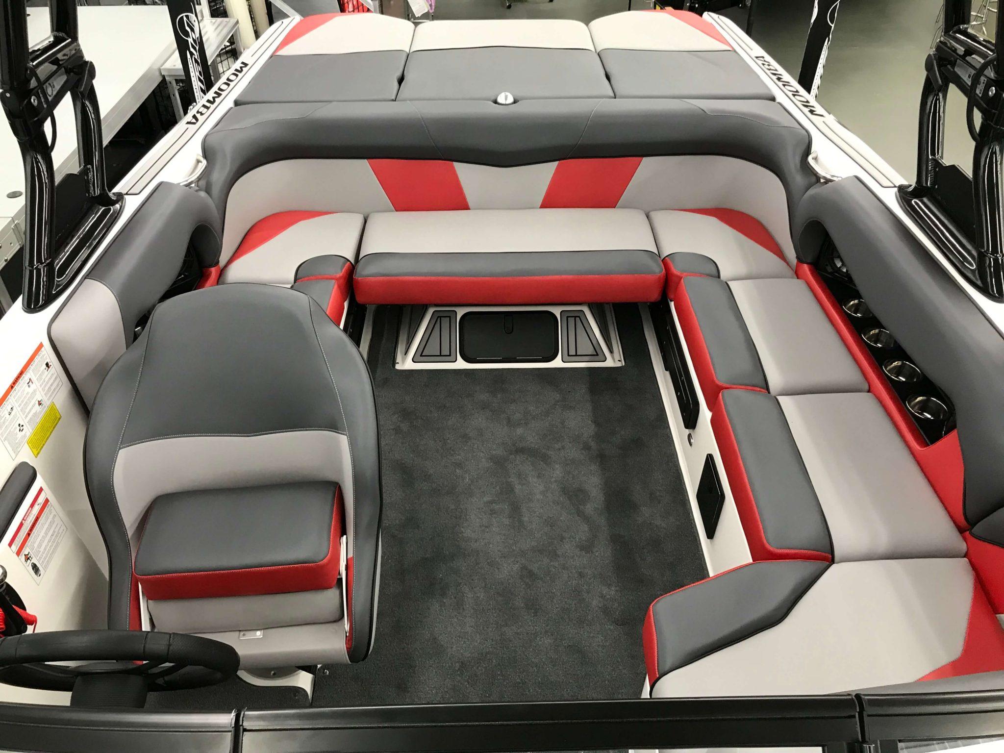 2019 Moomba Mondo Cockpit 2