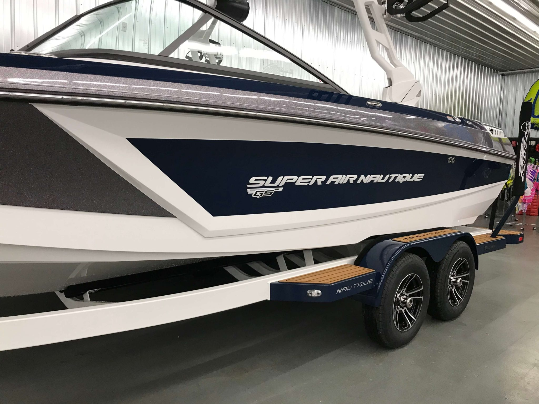 2019 Nautique GS22 White Chromax Logo 1