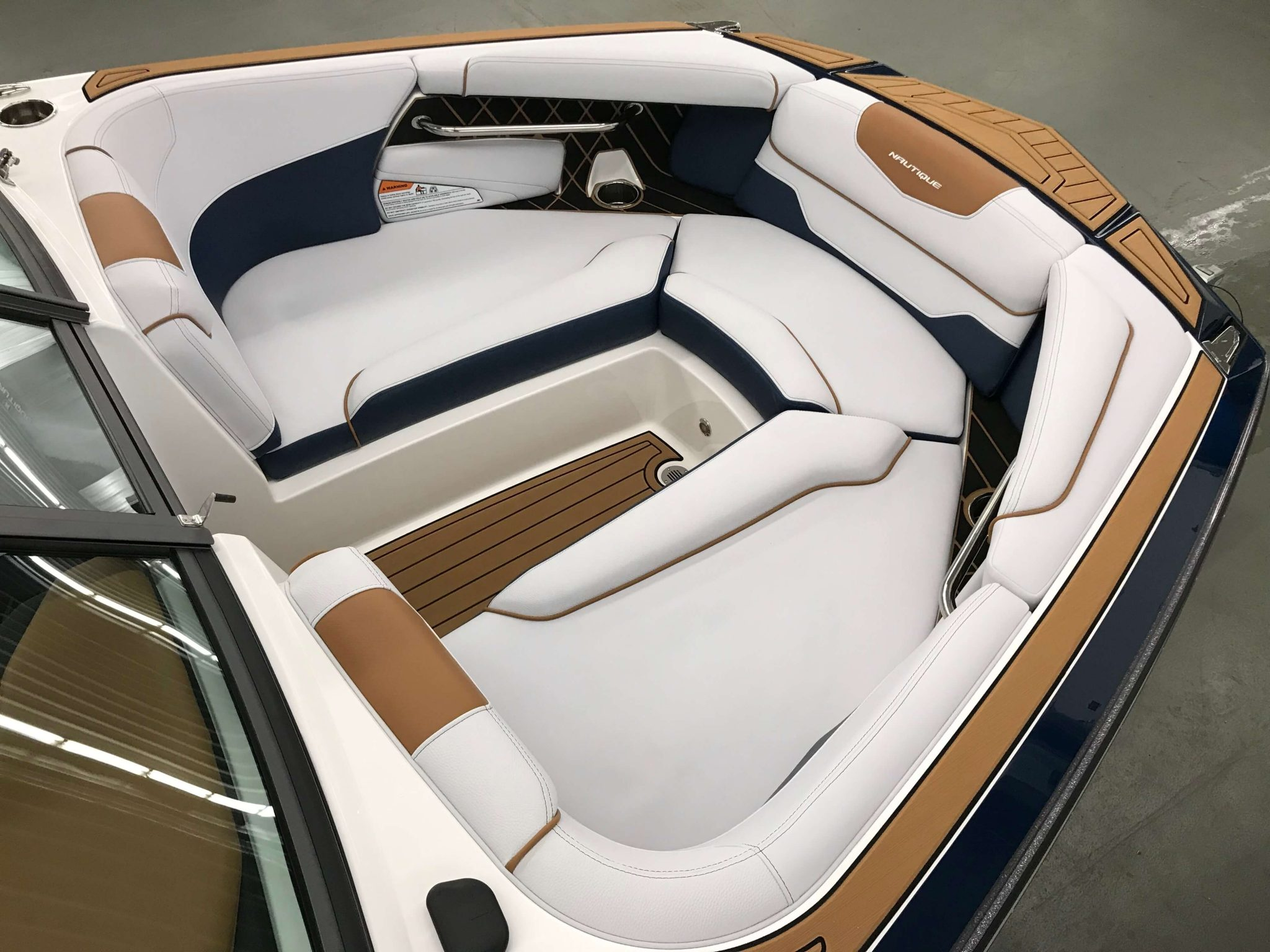 2019 Nautique GS22 Bow Seating 1
