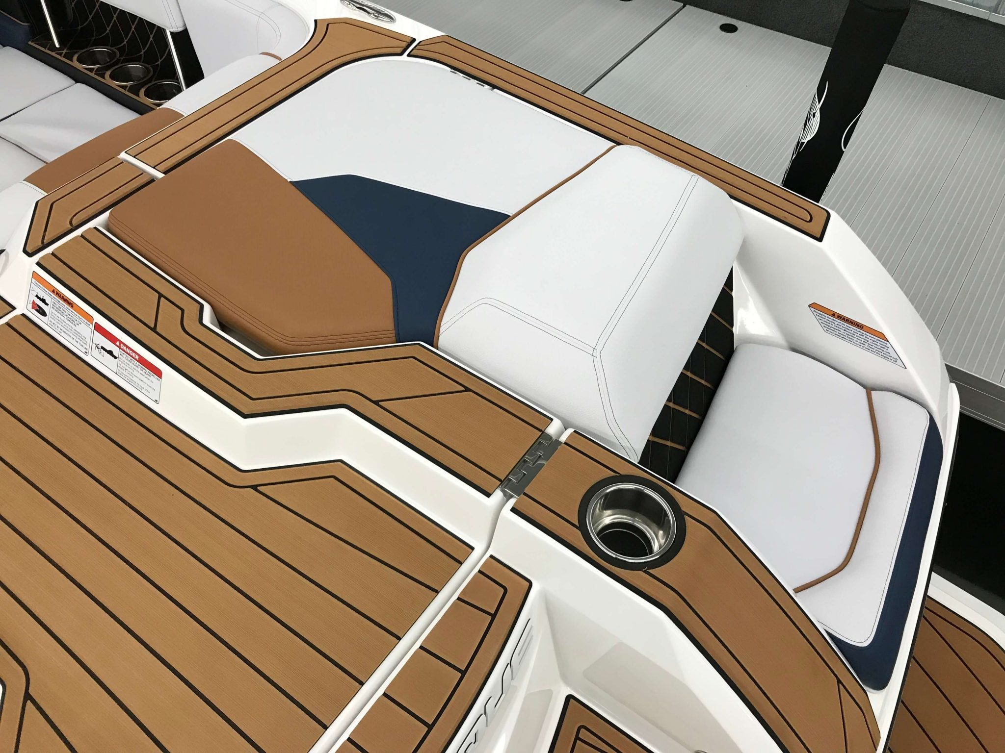 2019 Nautique GS22 Transom Seating 3