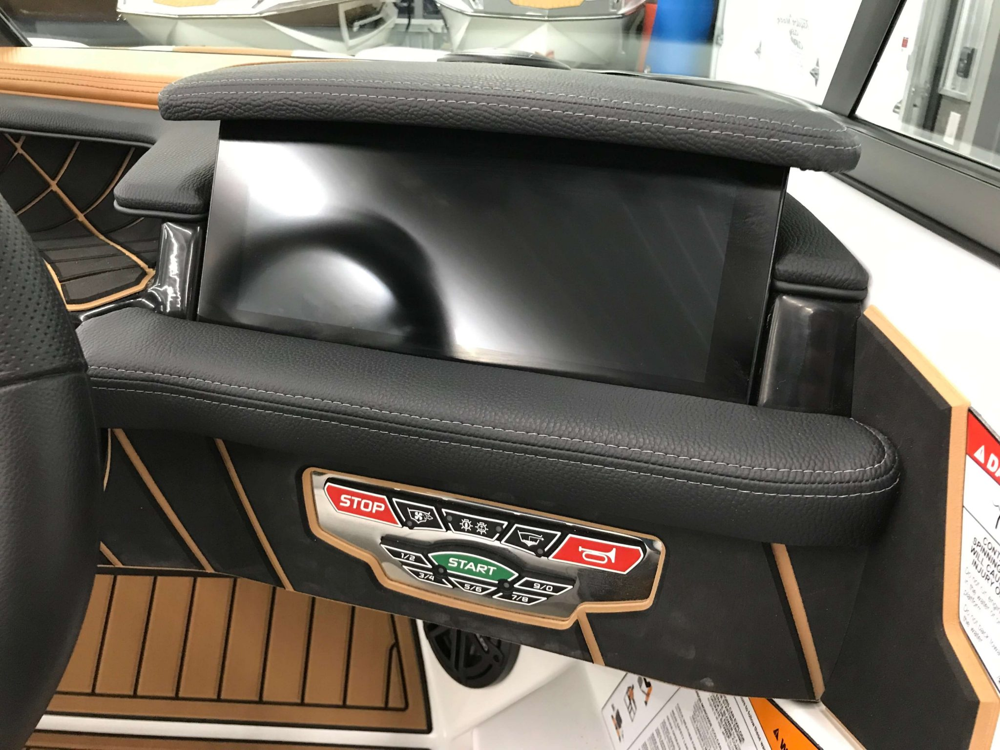 2019 Nautique GS22 Linc Panoray Dash 1