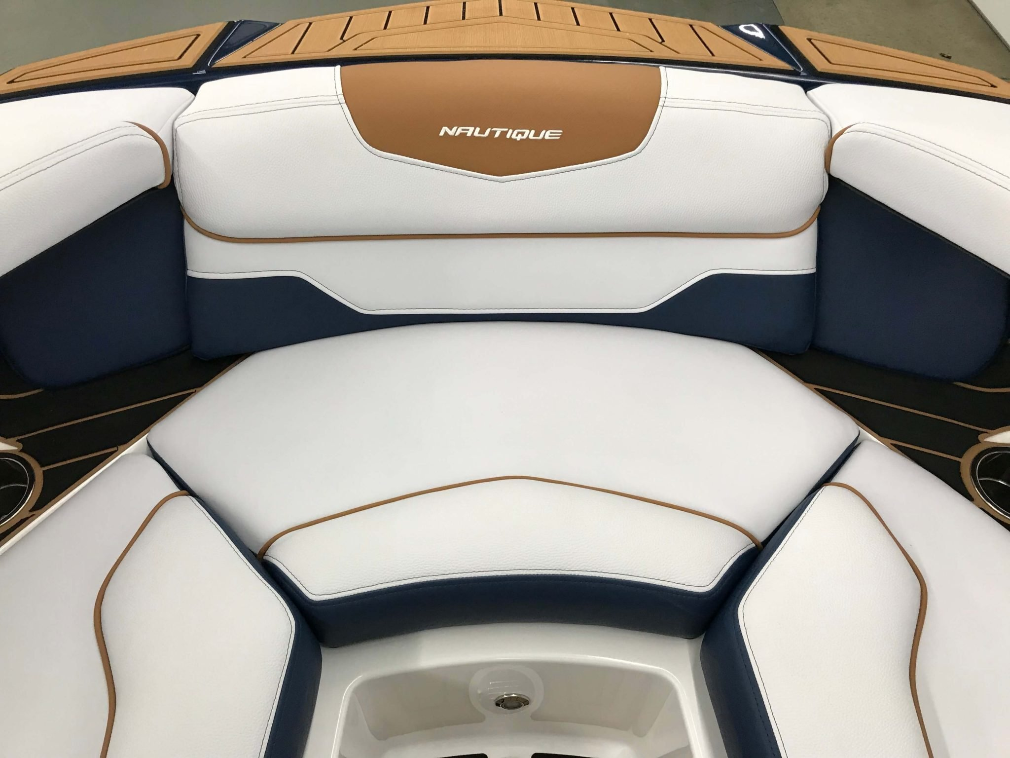 2019 Nautique GS22 Bow Seating 5