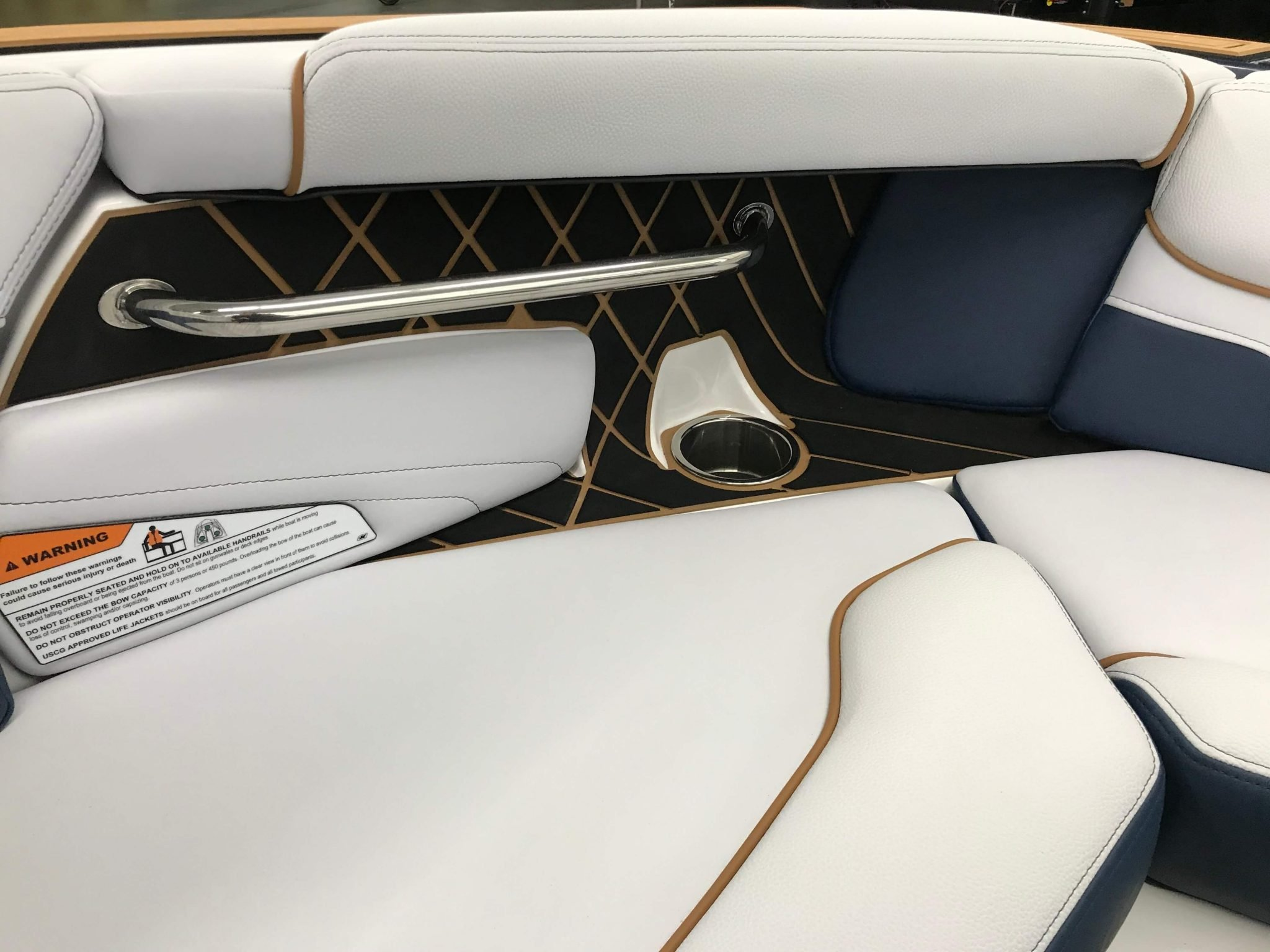 2019 Nautique GS22 Bow Seating 7