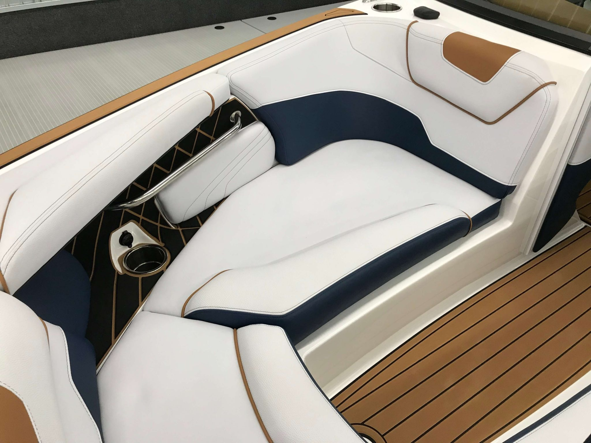 2019 Nautique GS22 Bow Seating 6