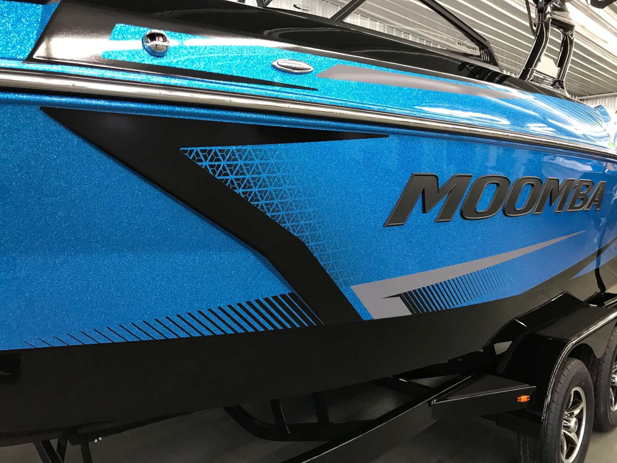 2019 Moomba Max Crystal Graphic Background