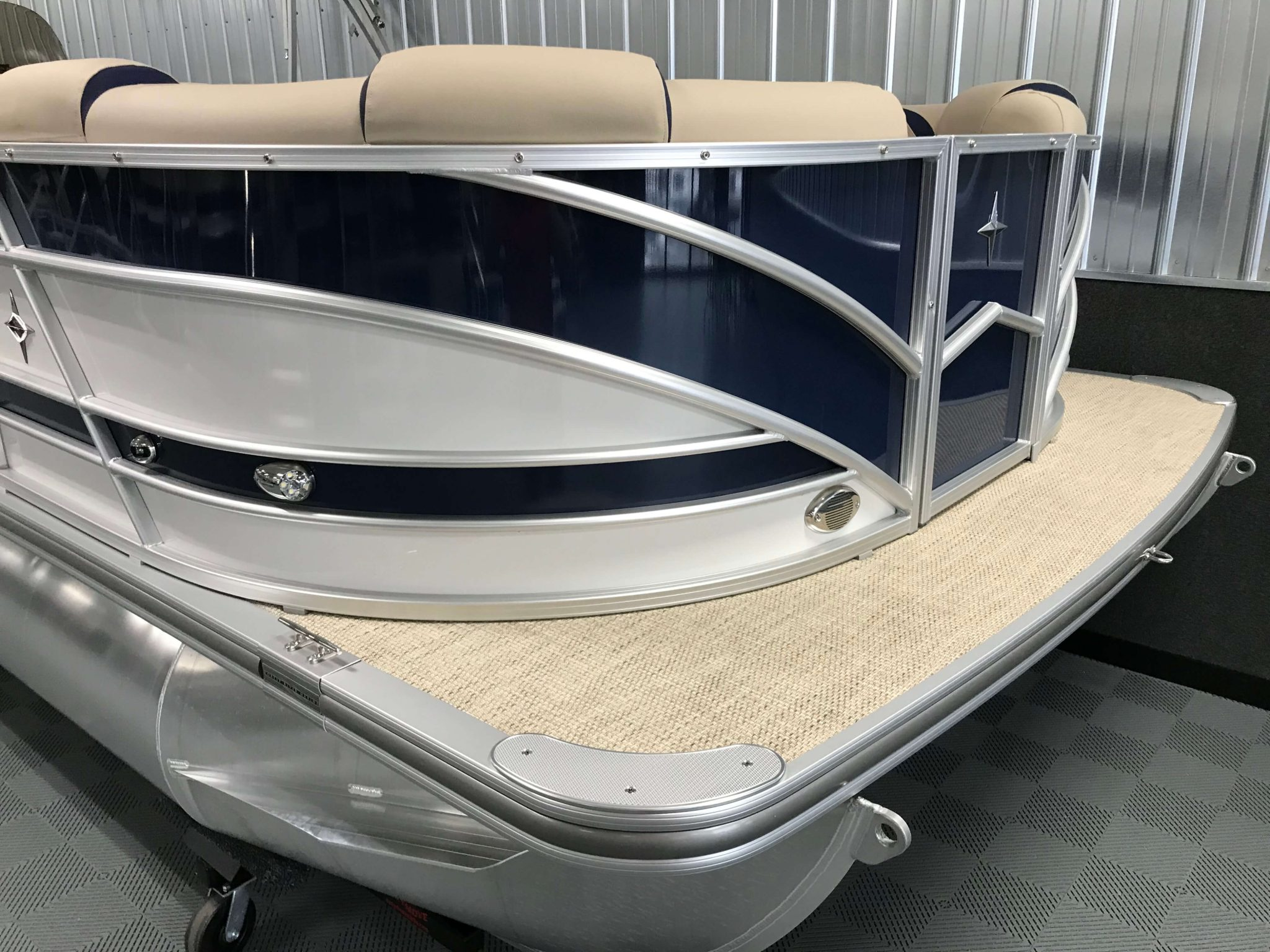 2019 Berkshire 23RFC2 STS Deluxe Pontoon Blue And White 4