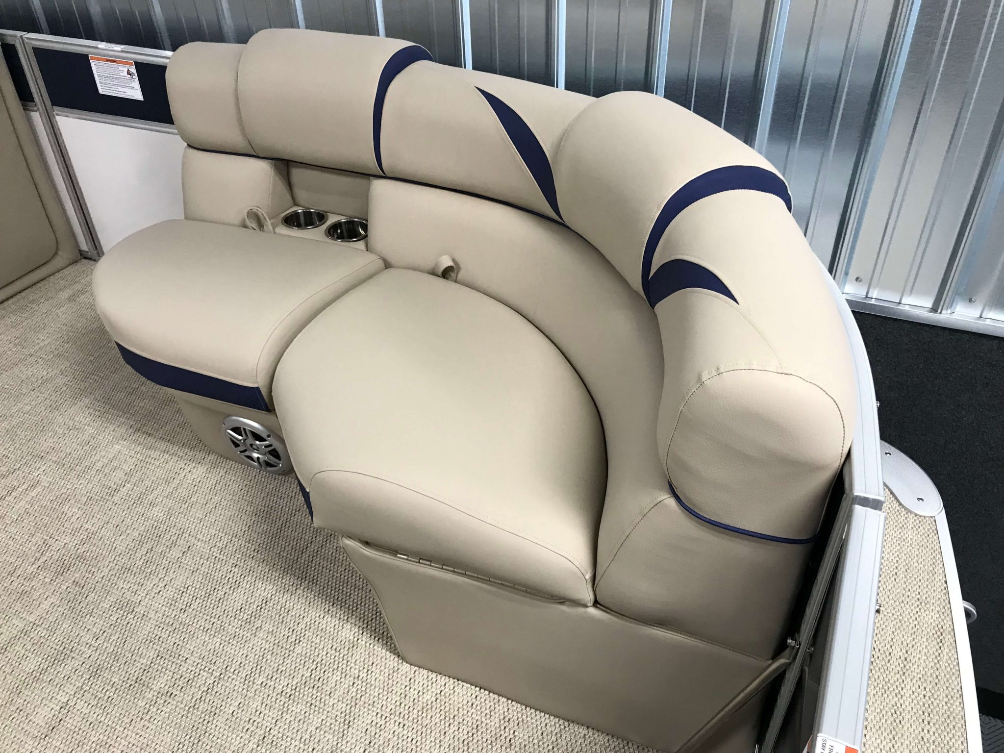 2019 Berkshire 23RFC2 STS Deluxe Pontoon Interior Bow Seating 3
