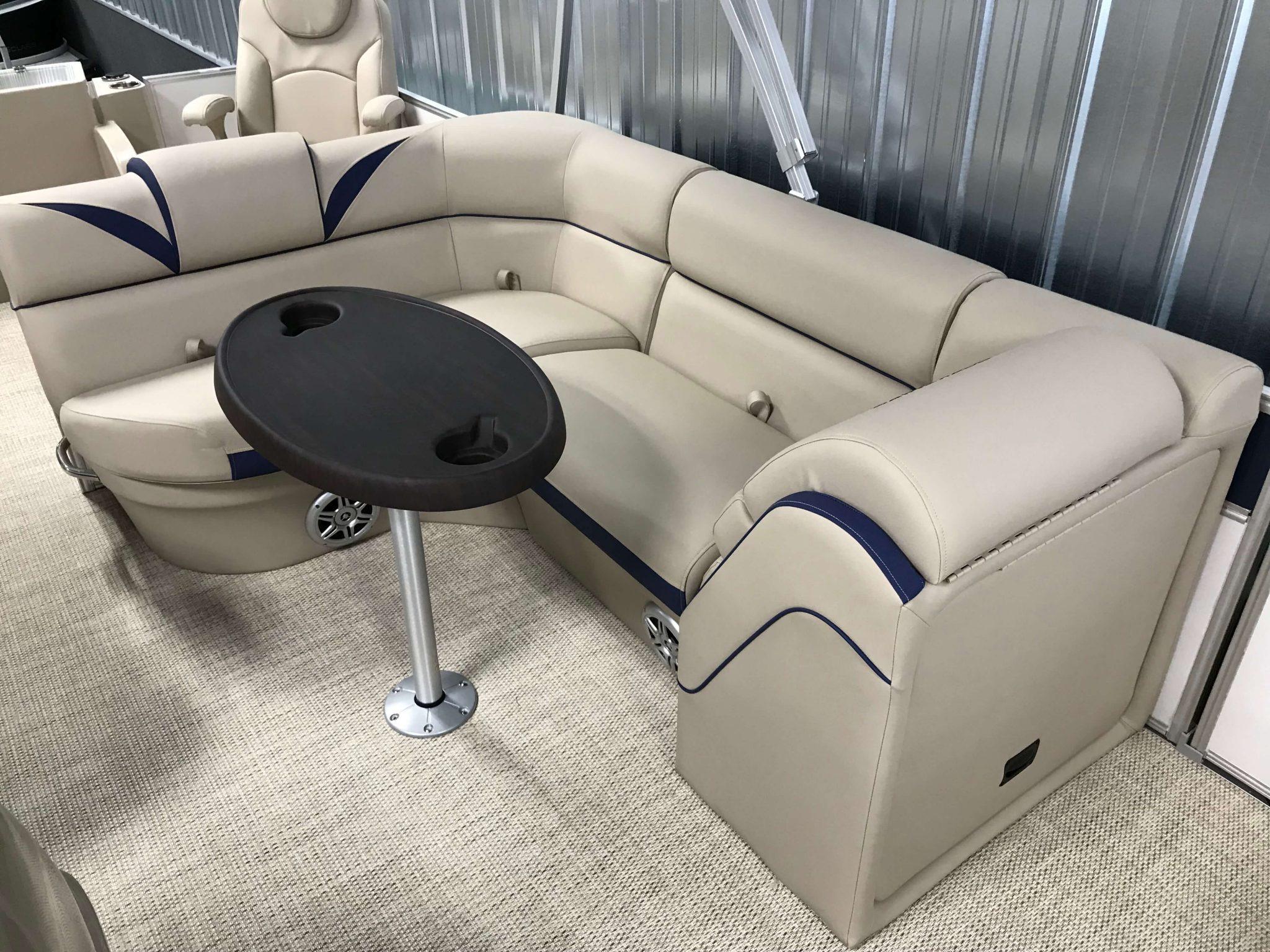2019 Berkshire 23RFC2 STS Deluxe Pontoon Interior Cockpit Seating 1