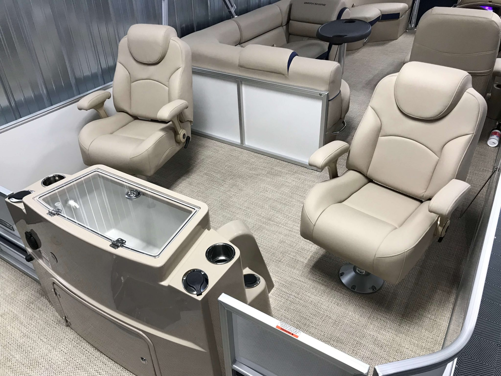 2019 Berkshire 23RFC2 STS Deluxe Pontoon RFC2 Seating Layout 1