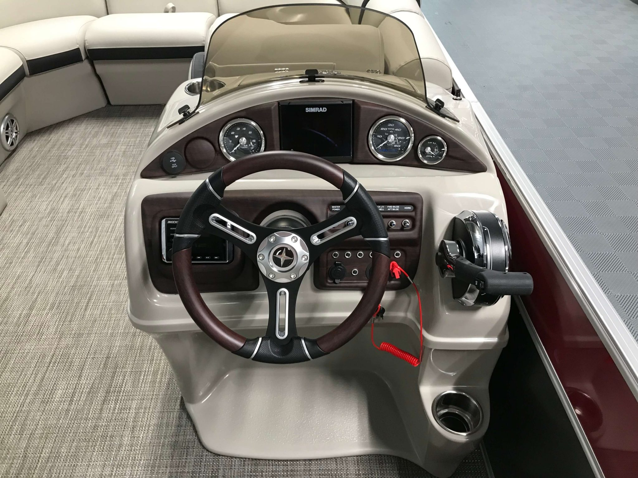 2019 Berkshire 23RFX STS Deluxe Helm And Dash