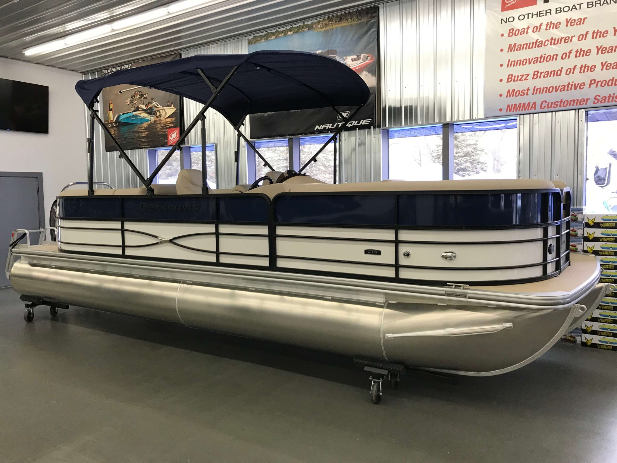2019 Berkshire 24RFX CTS 3.0 Tritoon Blue And White 2