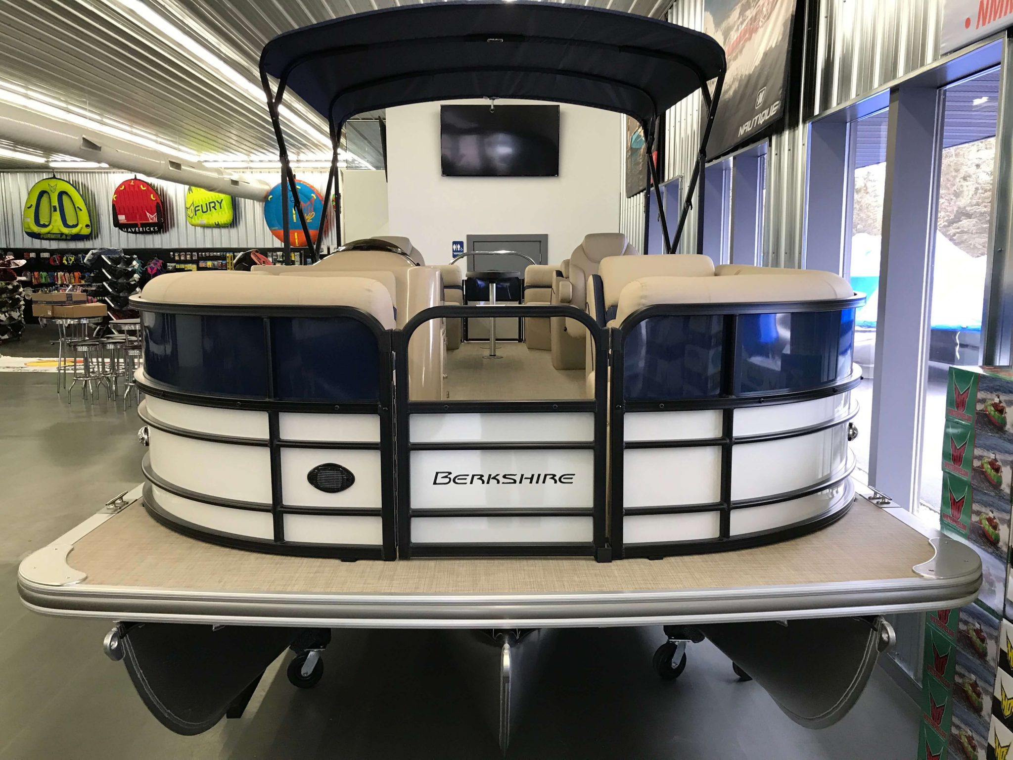 2019 Berkshire 24RFX CTS 3.0 Tritoon Blue And White 3