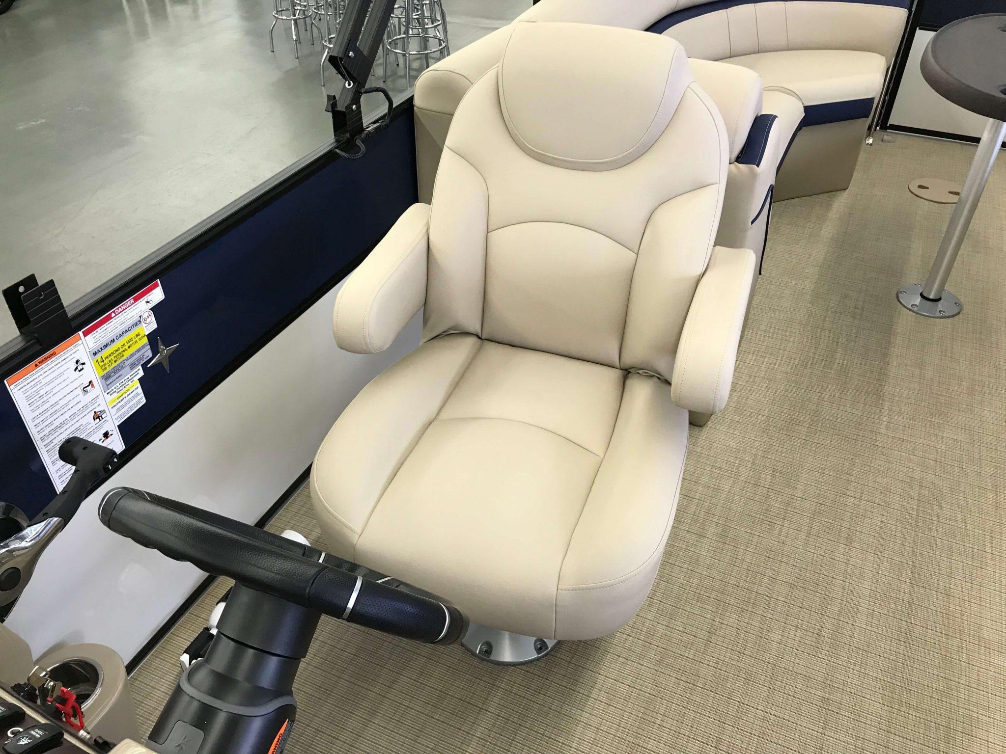 2019 Berkshire 24RFX CTS 3.0 Tritoon Captain's Helm Chair
