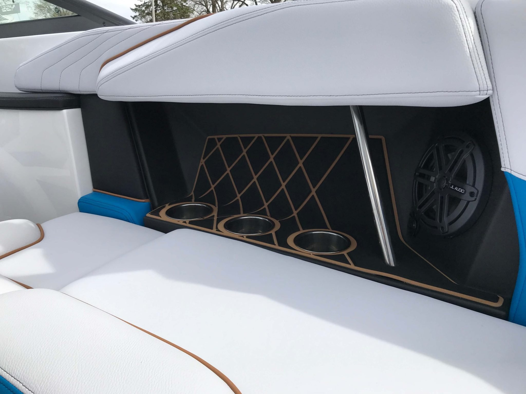 2019 Nautique GS20 Cup Holders 2