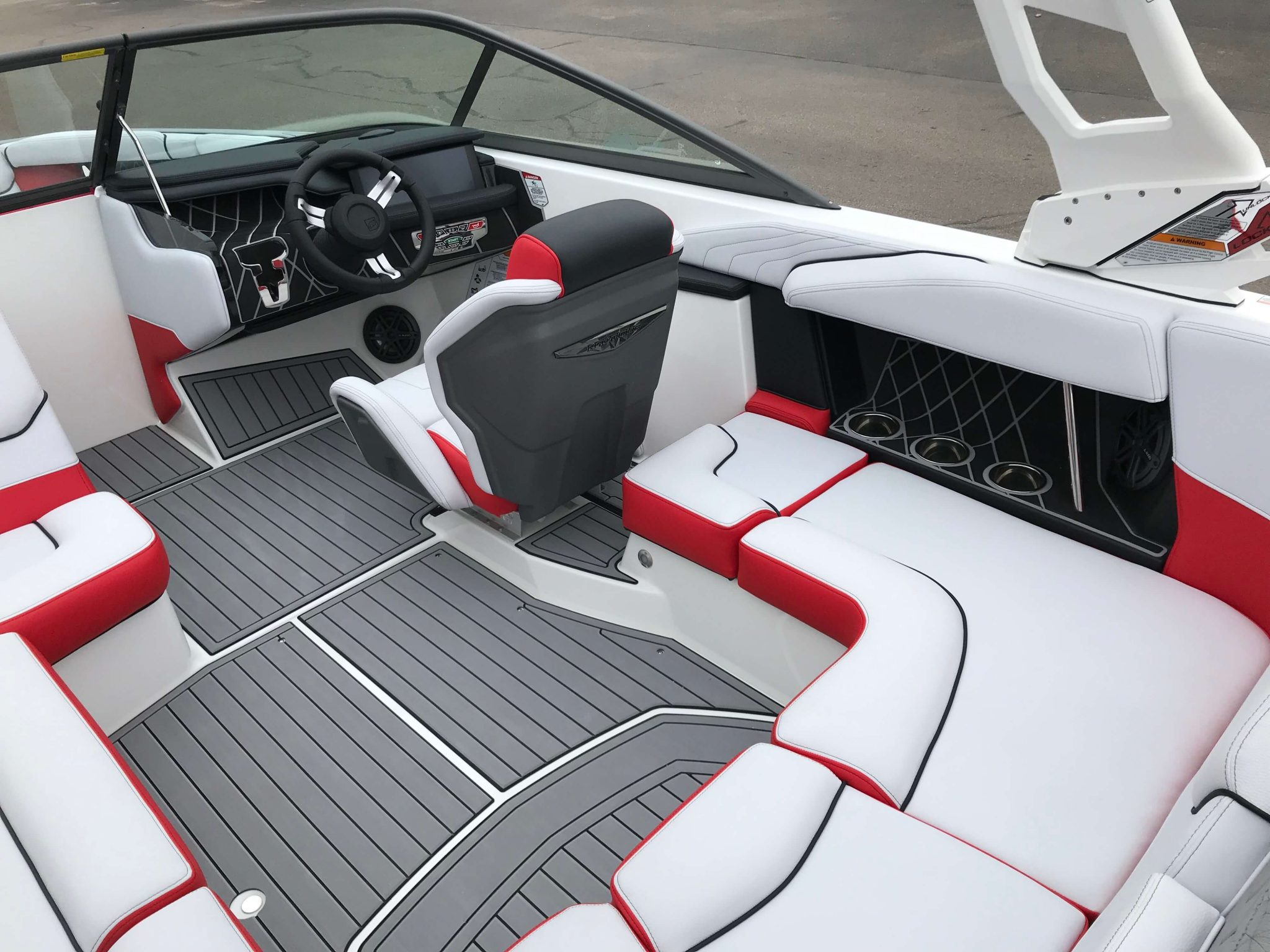2019 Nautique GS20 Interior Layout 6