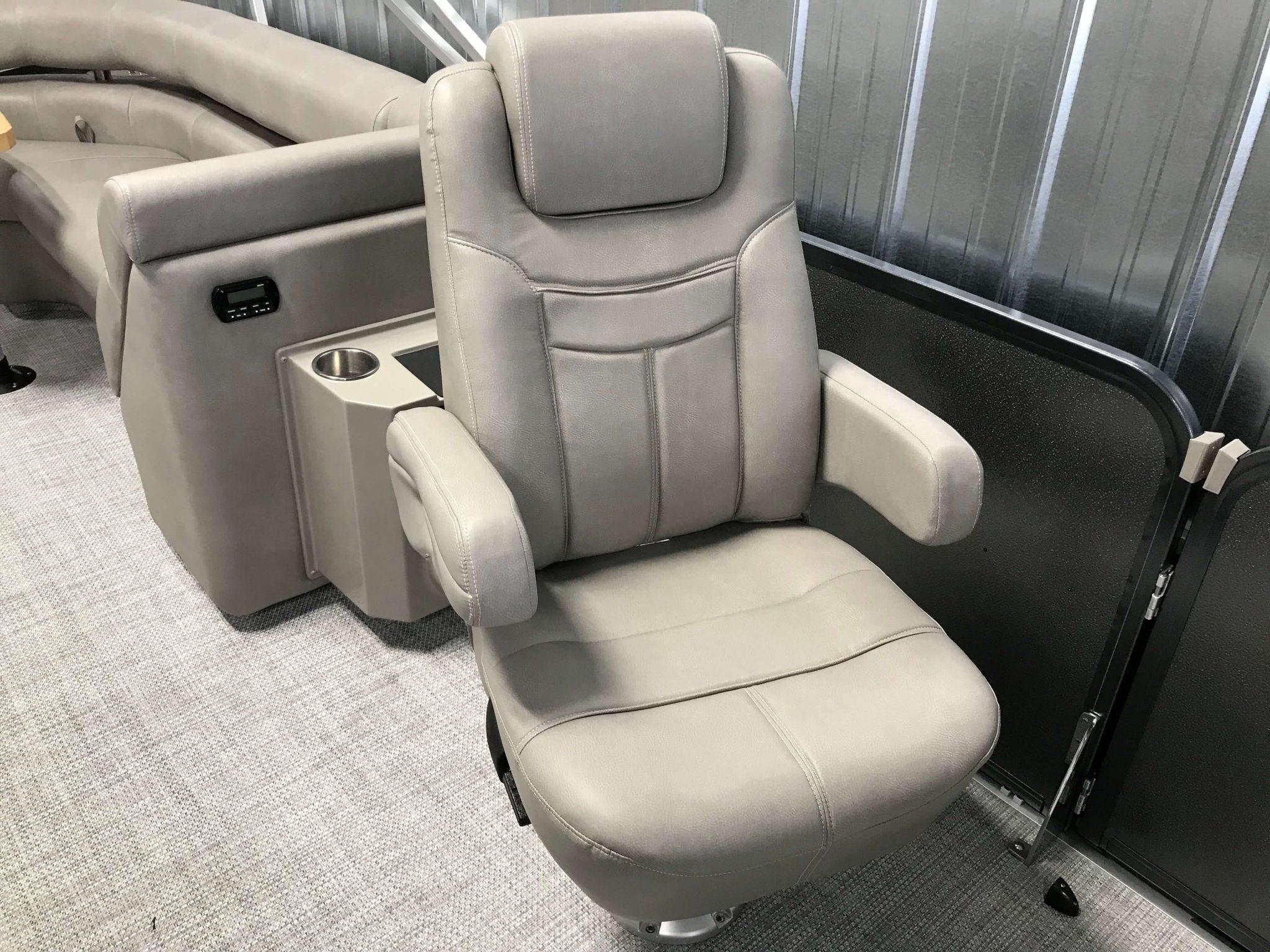 2019 Premier 250 Grand Majestic RF Tritoon High Back Port Side Chair