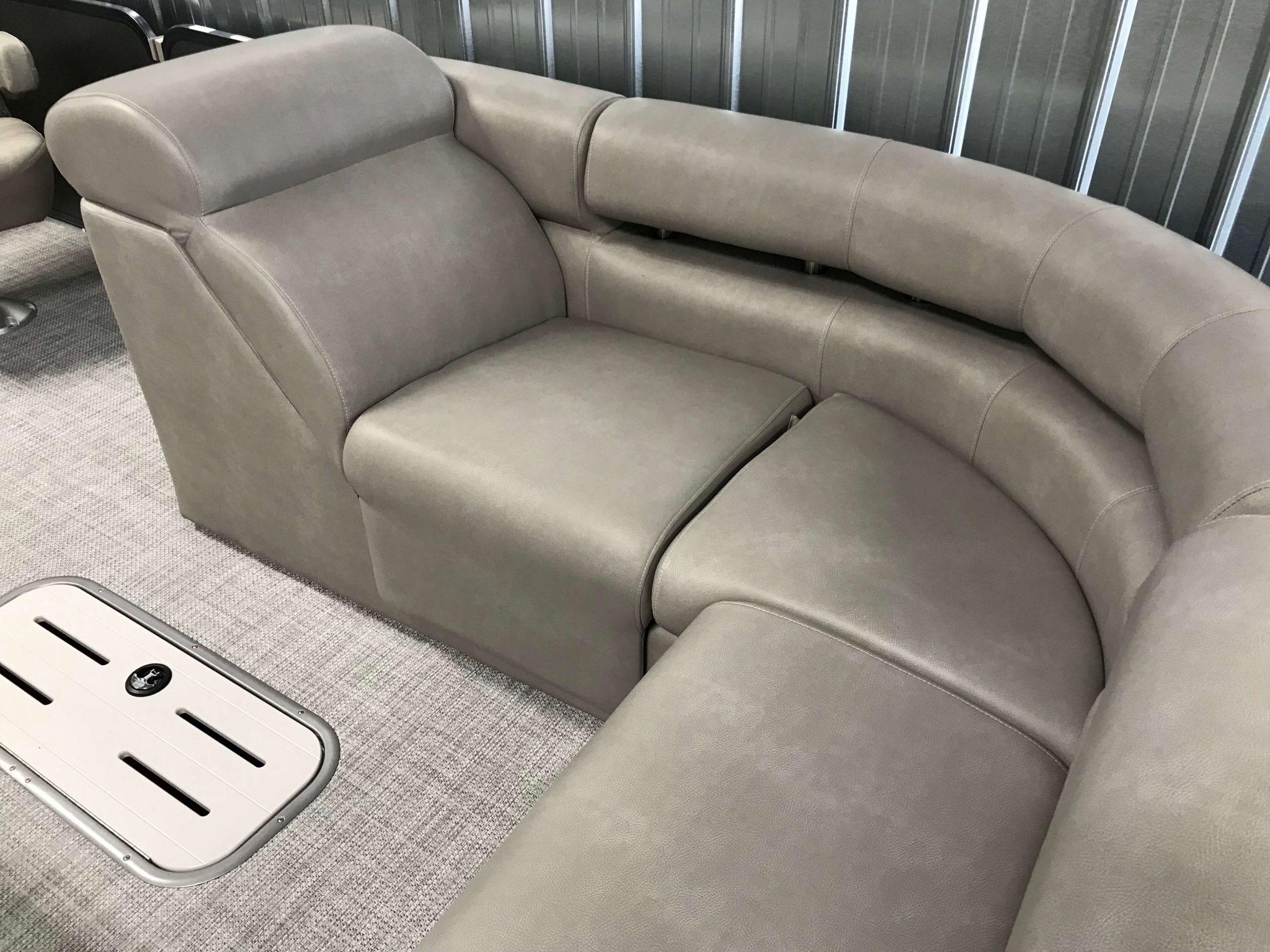 2019 Premier 250 Grand Majestic RF Tritoon Interior Seating 3