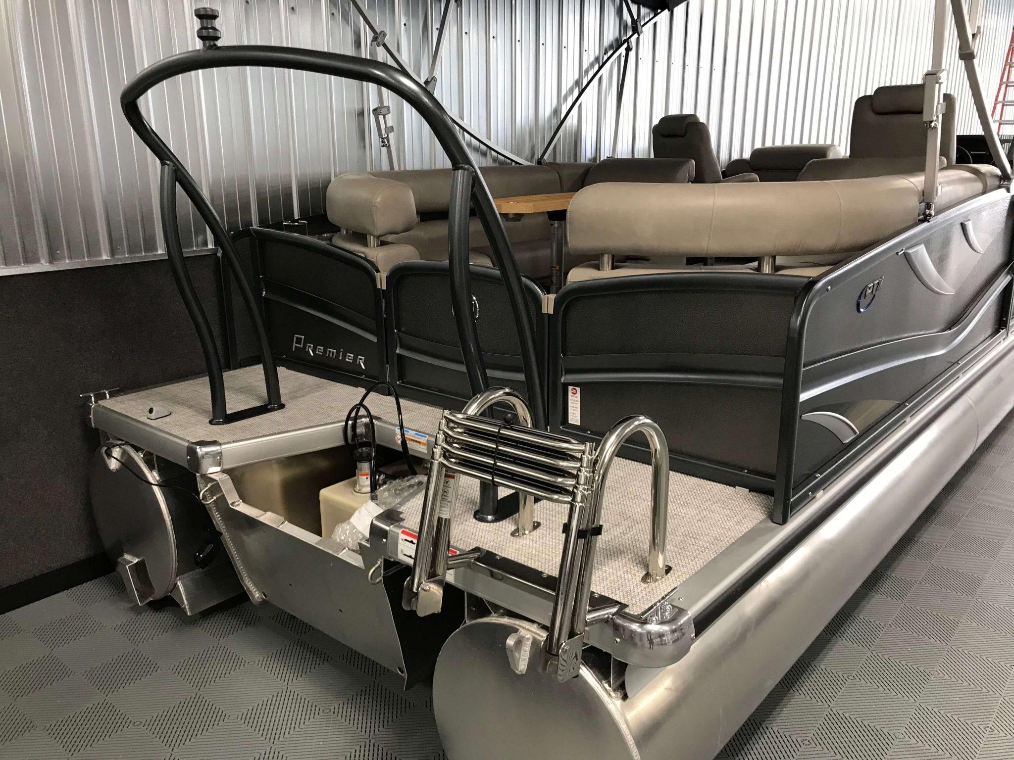 2019 Premier 250 Grand Majestic RF Tritoon Ski Tow Bar