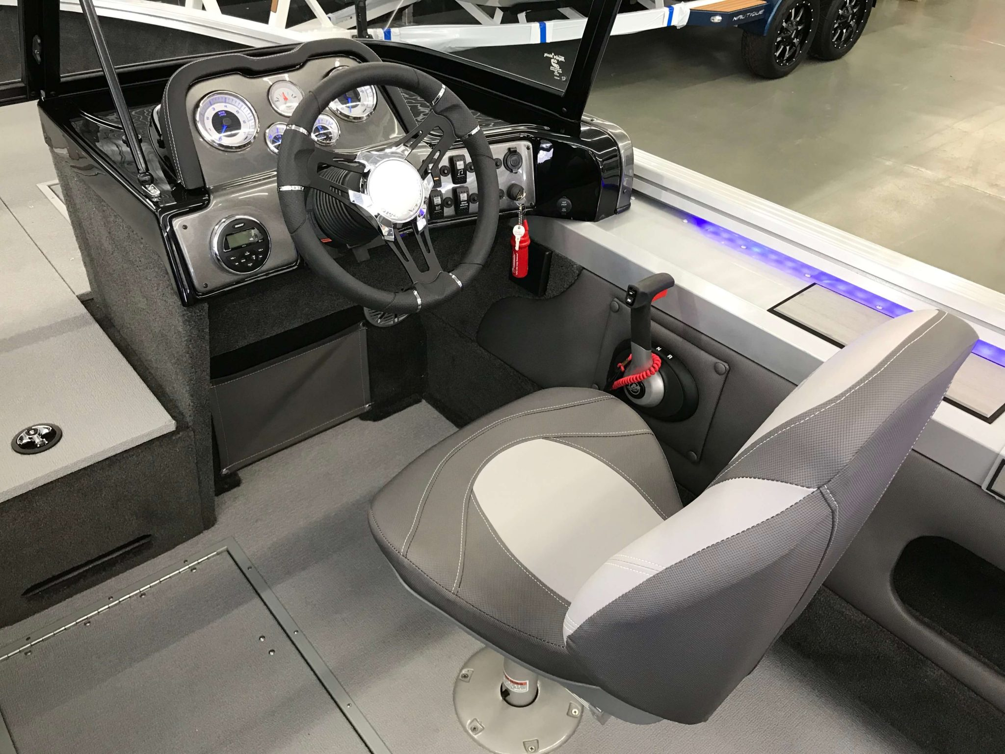 2019 Smoker Craft 182 Pro Angler XL Helm And Captains Chair