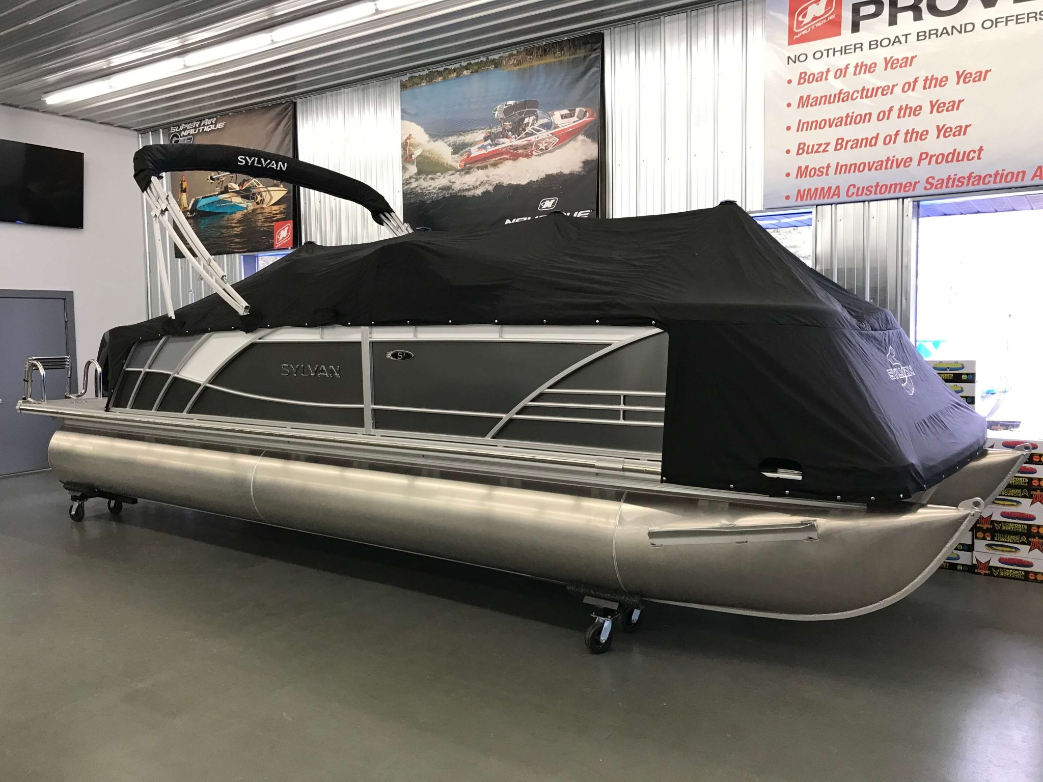 2019 Sylvan S3 Cruise Full Mooring Black Cover 1