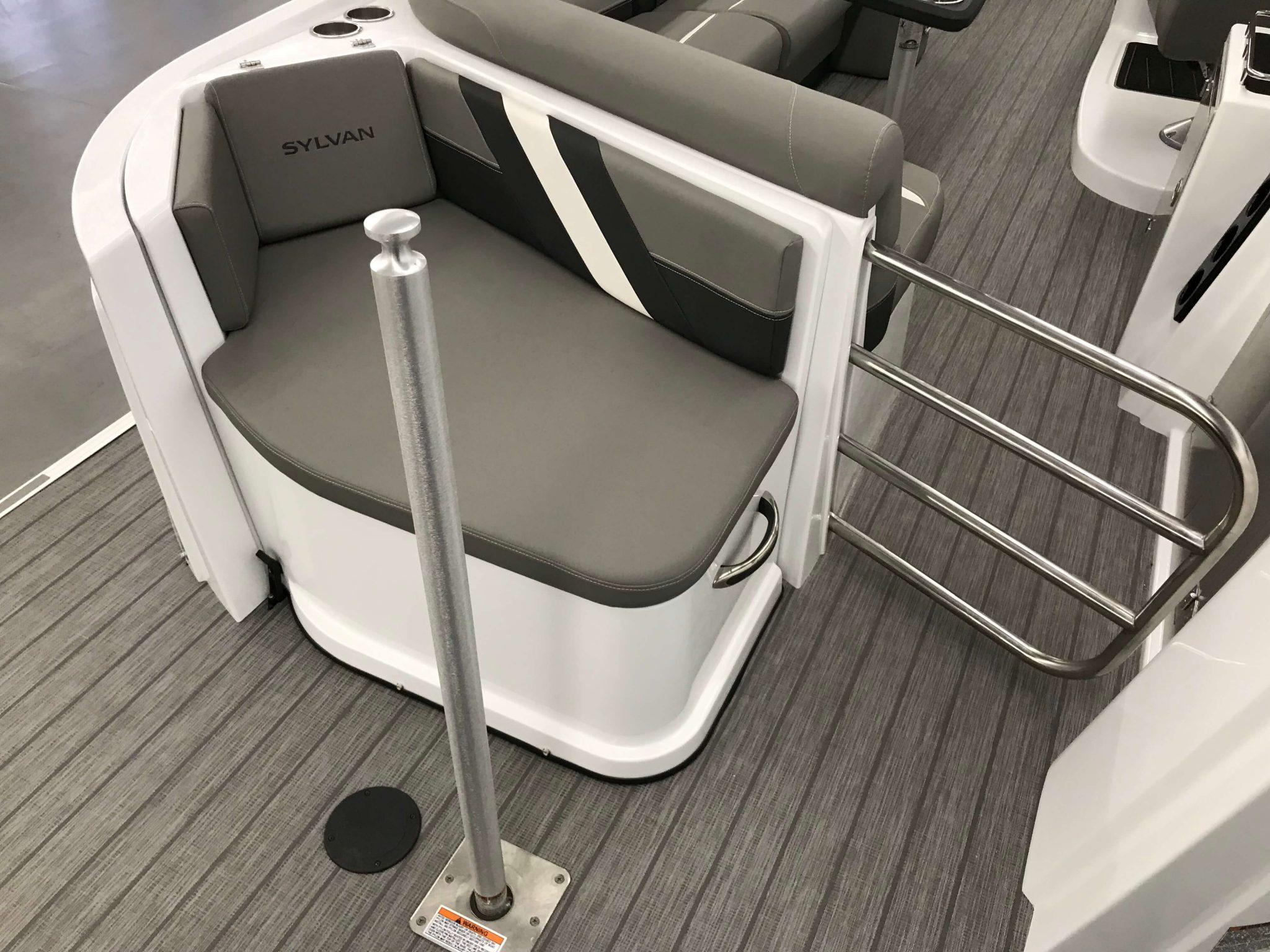 2019 Sylvan S3 Cruise Tritoon Aft Swim Platform Seating