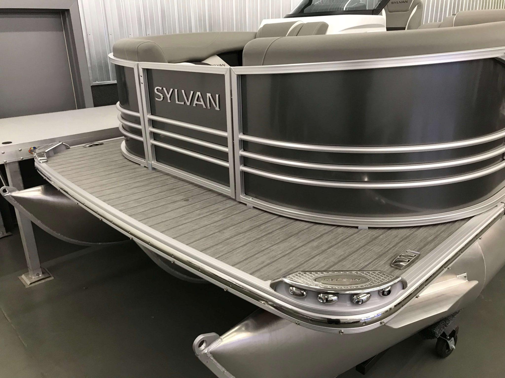 2019 Sylvan S3 Cruise Tritoon Carbon 3