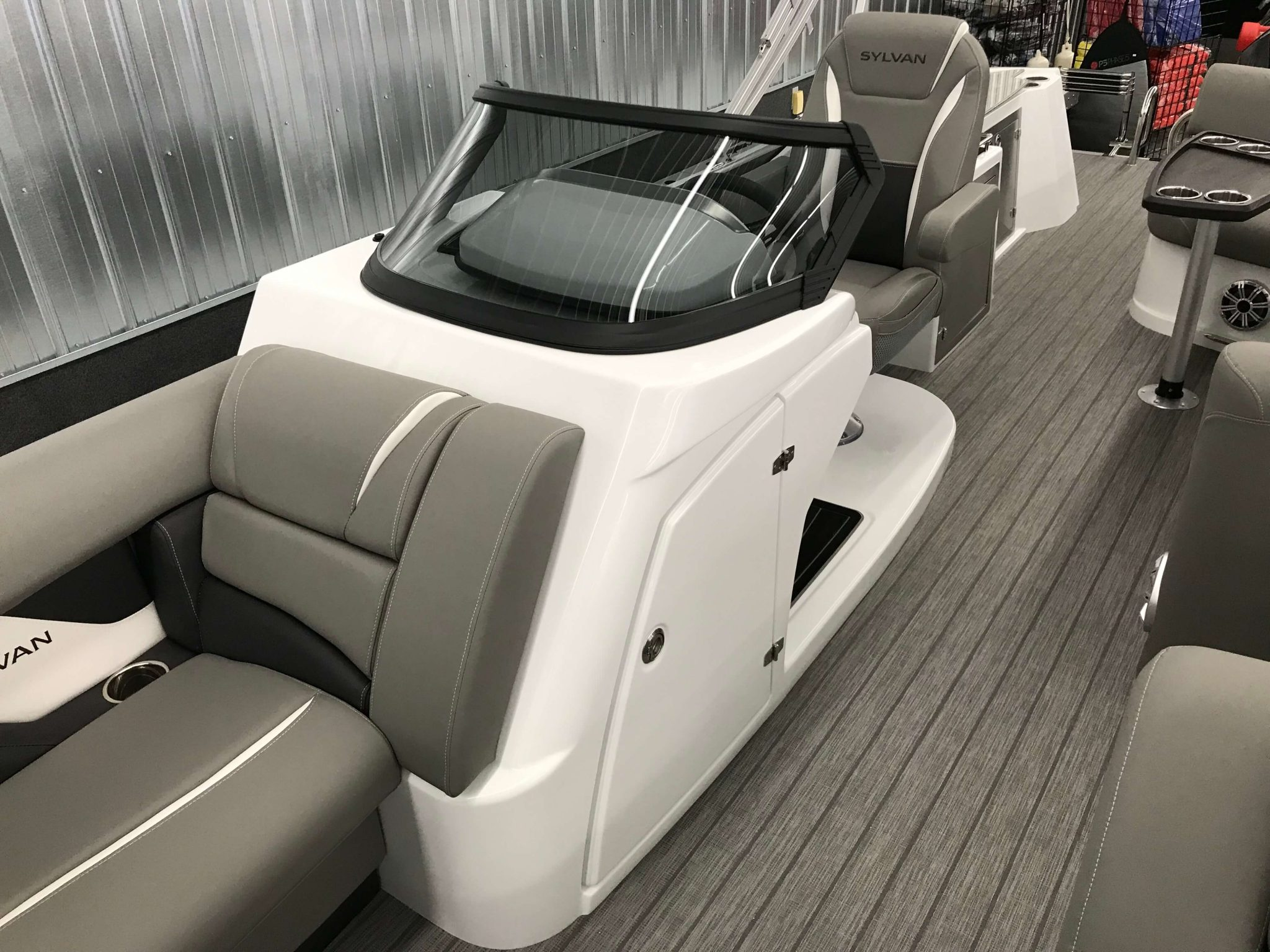 2019 Sylvan S3 Cruise Tritoon Helm Windsheild