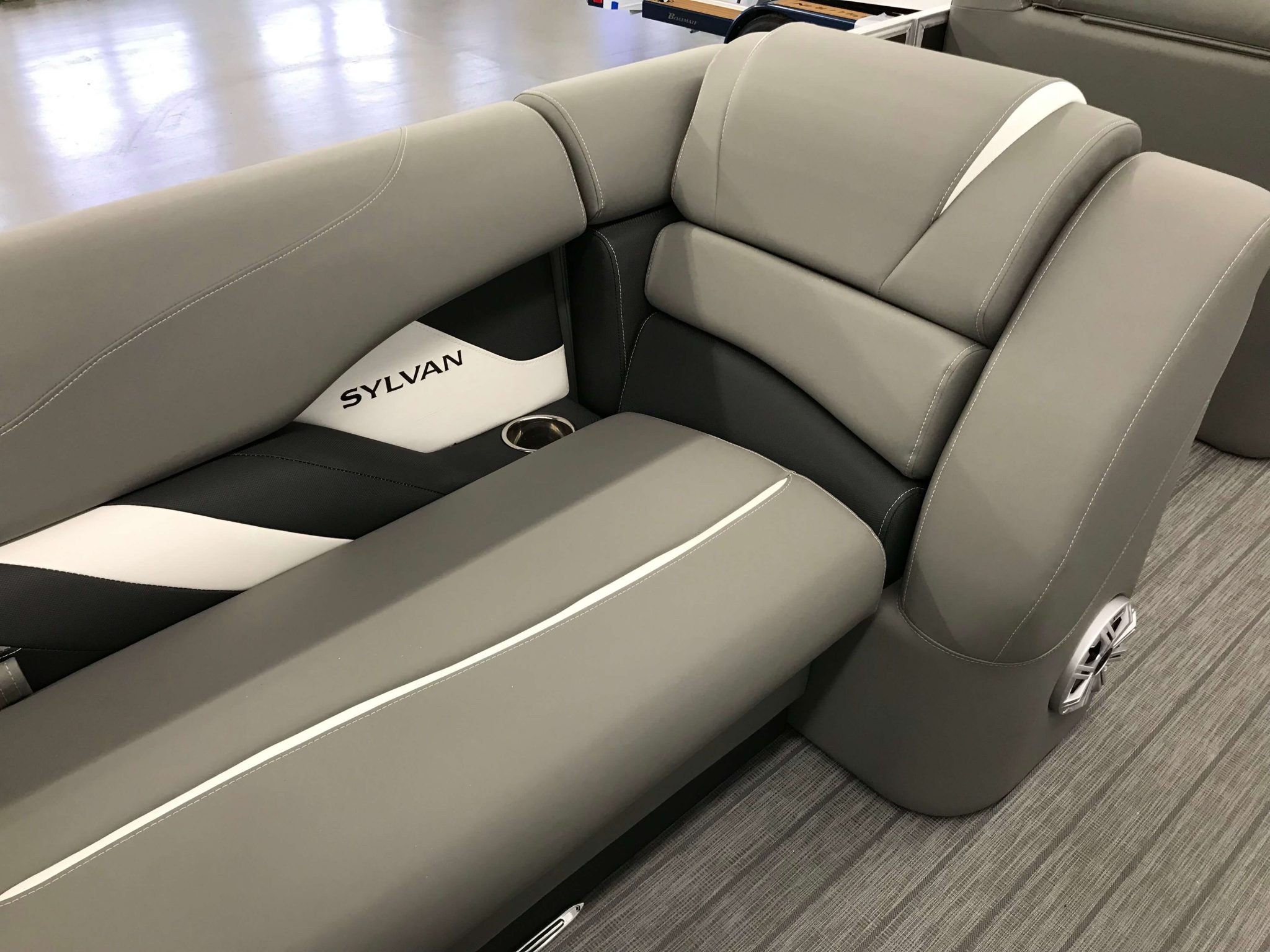 2019 Sylvan S3 Cruise Tritoon Interior Cockpit Seating