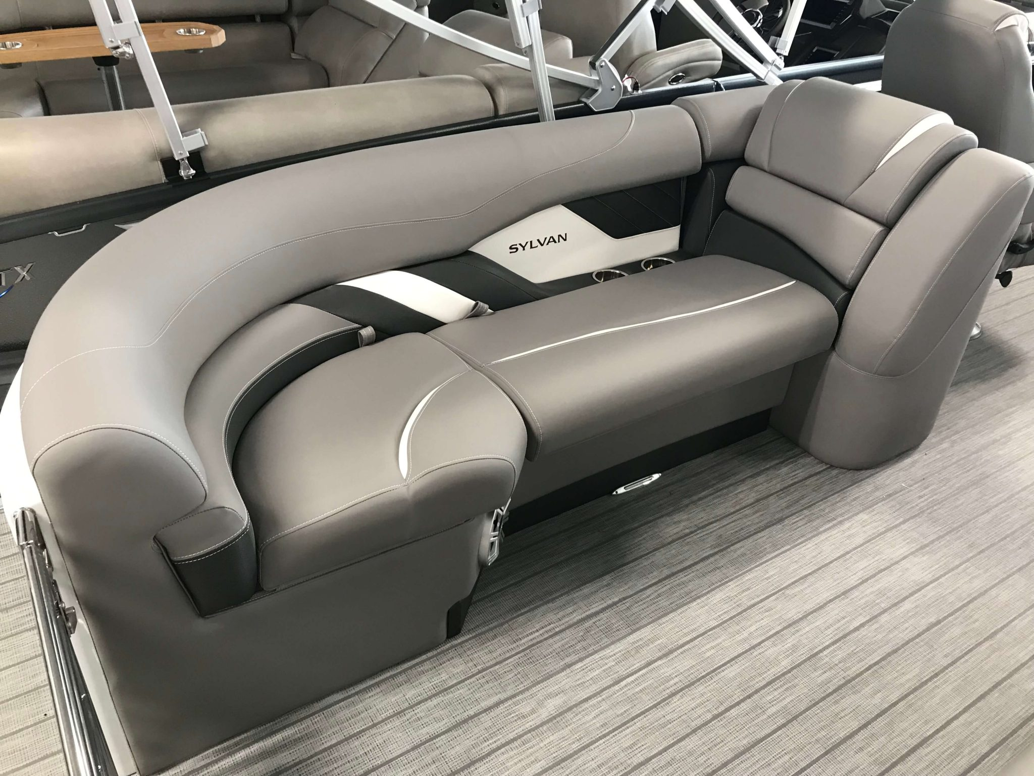 2019 Sylvan S3 LZ Tritoon Interior Seating 1