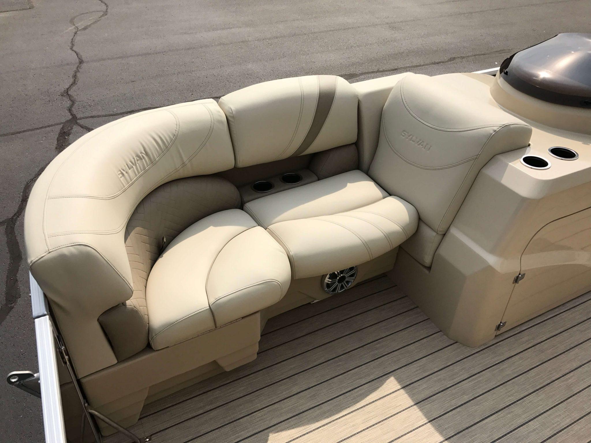 2019 Sylvan 8520 LZ LE Interior LZ Seating 4