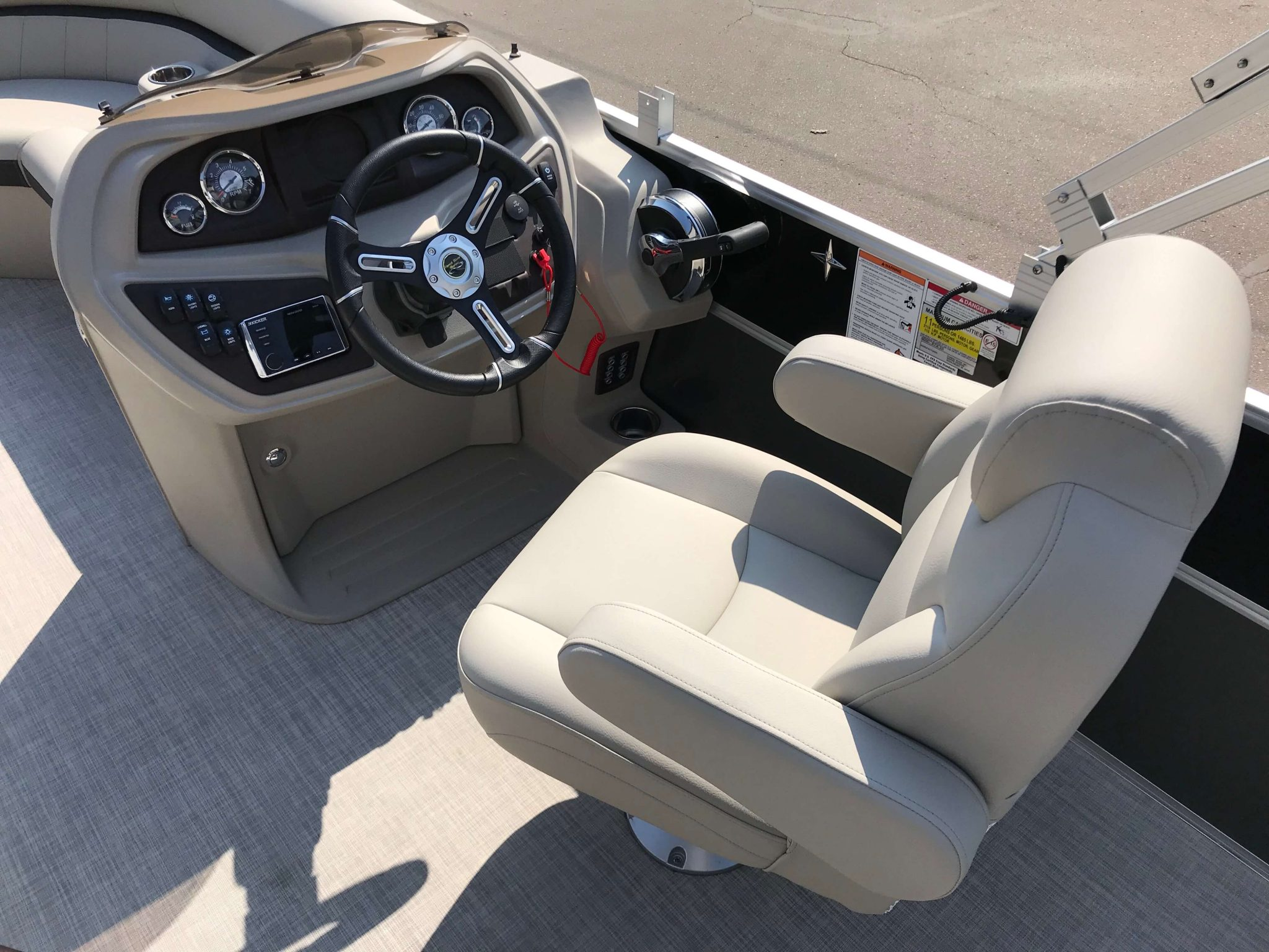 2019 Berkshire 20CL CTS Captain's Chair And Helm