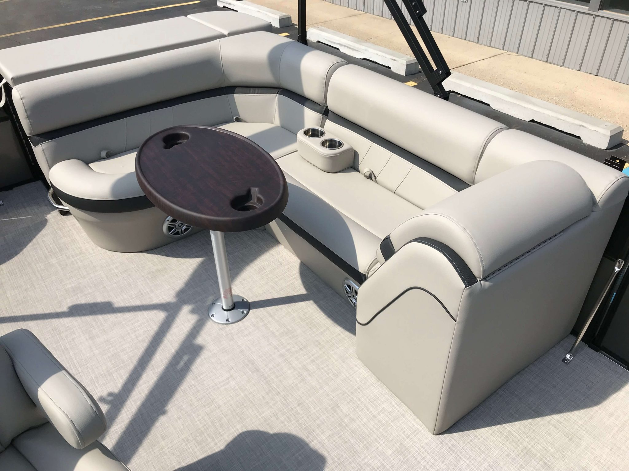 2019 Berkshire 22CL CTS Black Charcoal Seating 2