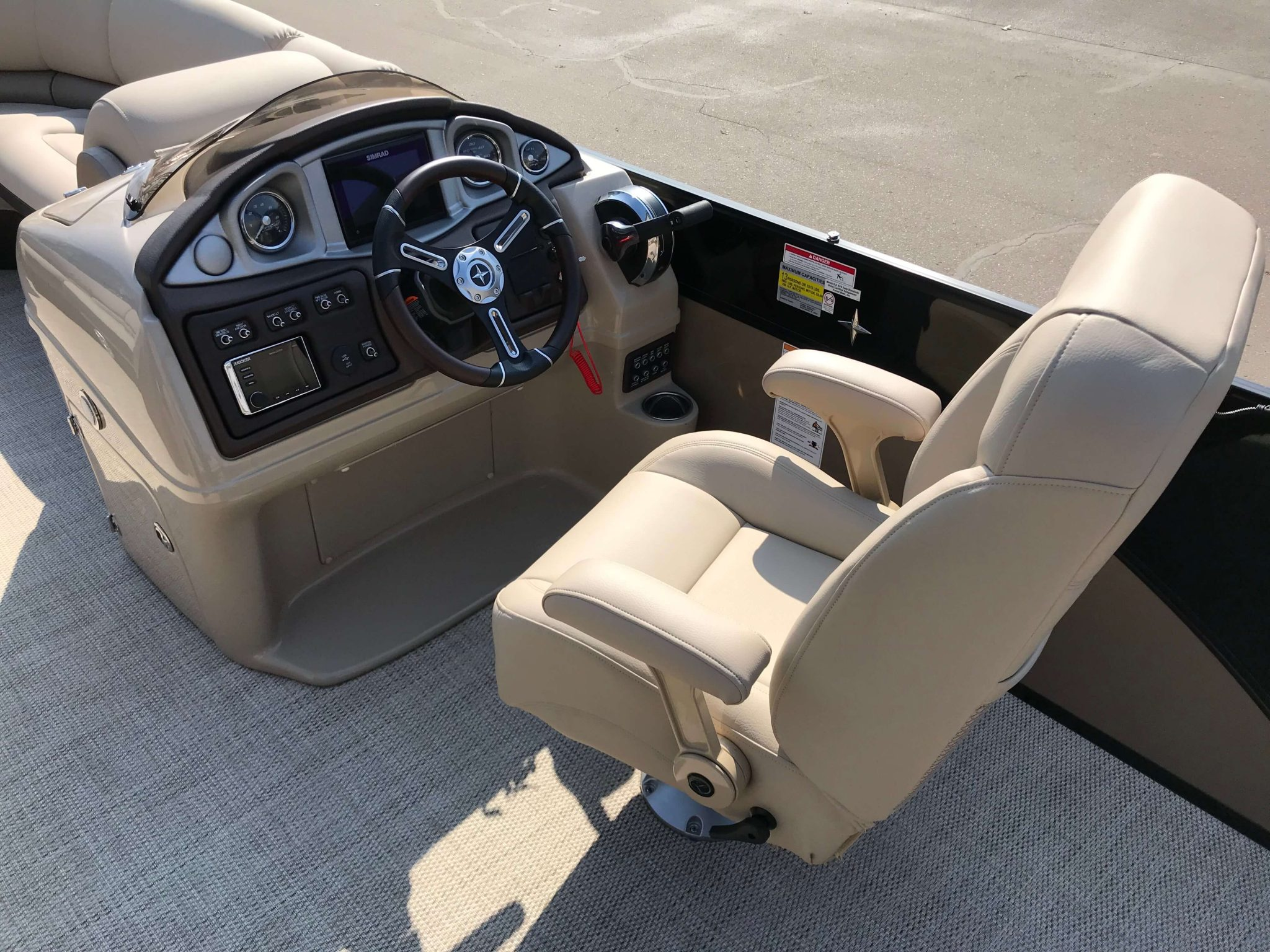 2019 Berkshire 23CL STS Captains Chair And Helm