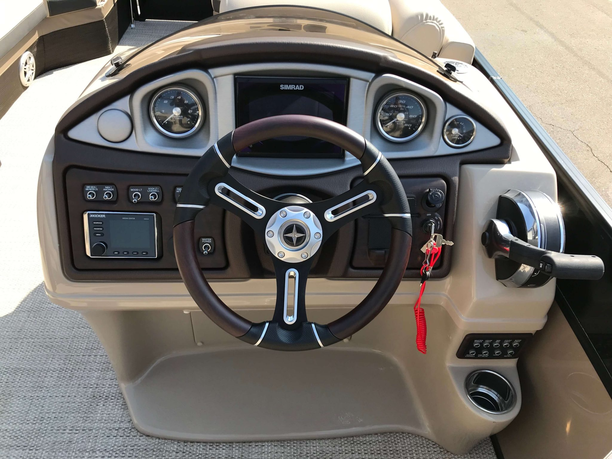 2019 Berkshire 23CL STS Helm And Dash
