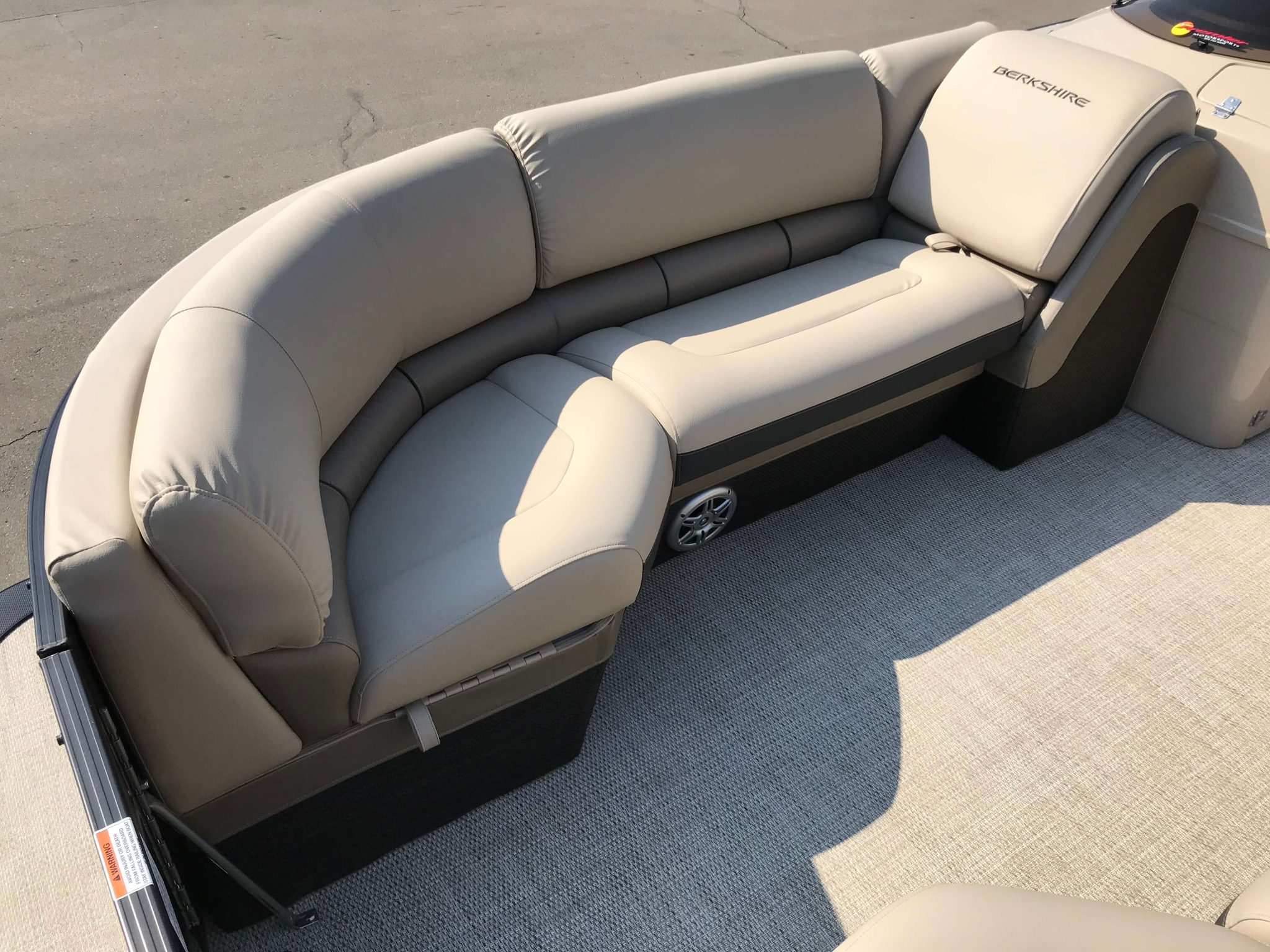 2019 Berkshire 23CL STS Seating 3