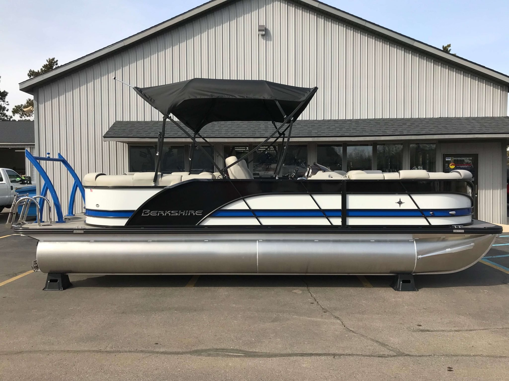 2019 Berkshire 23RFX Bimini Top 3