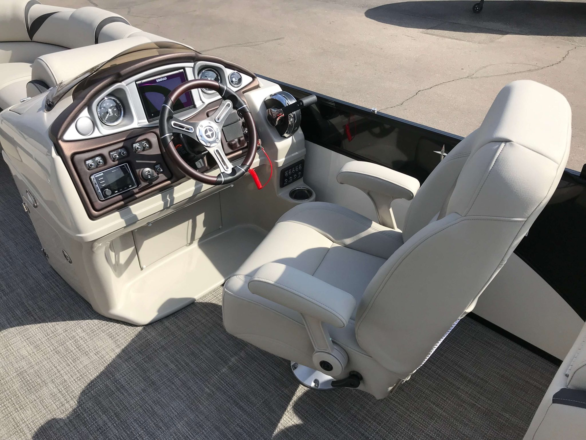 2019 Berkshire 23RFX STS Helm And Captains Chair
