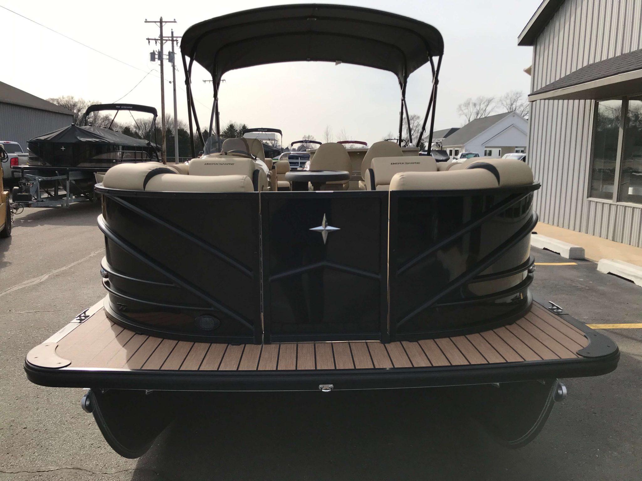 2019 Berkshire 25E STS Black 3