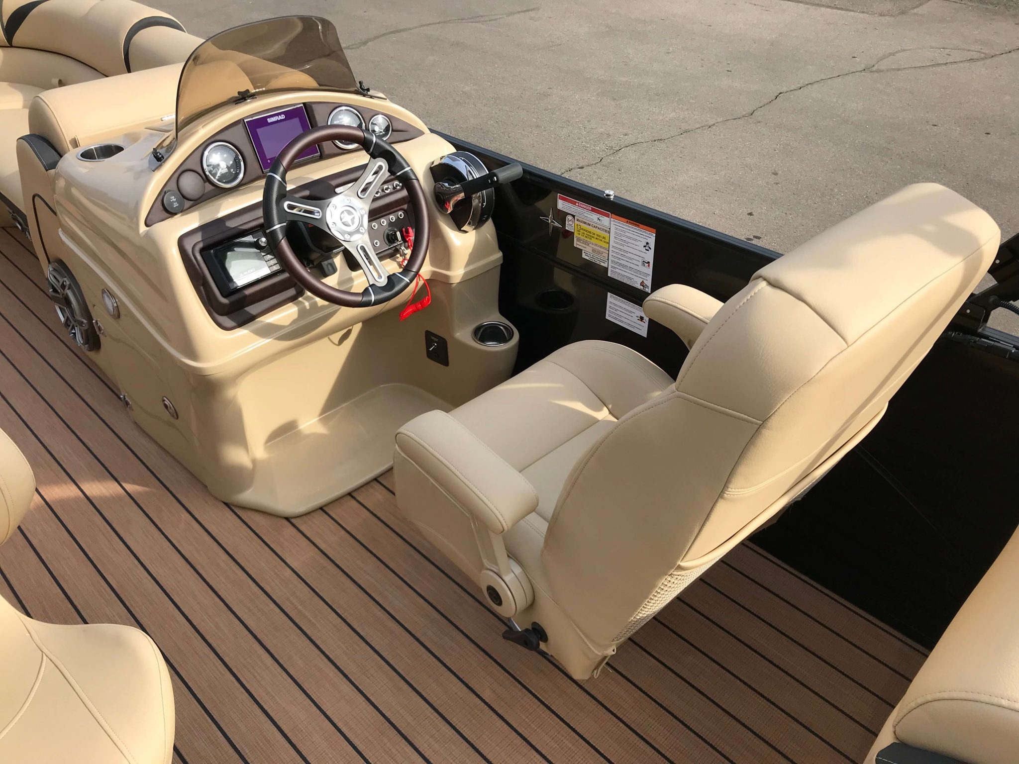 2019 Berkshire 25E STS Captains Chair And Helm