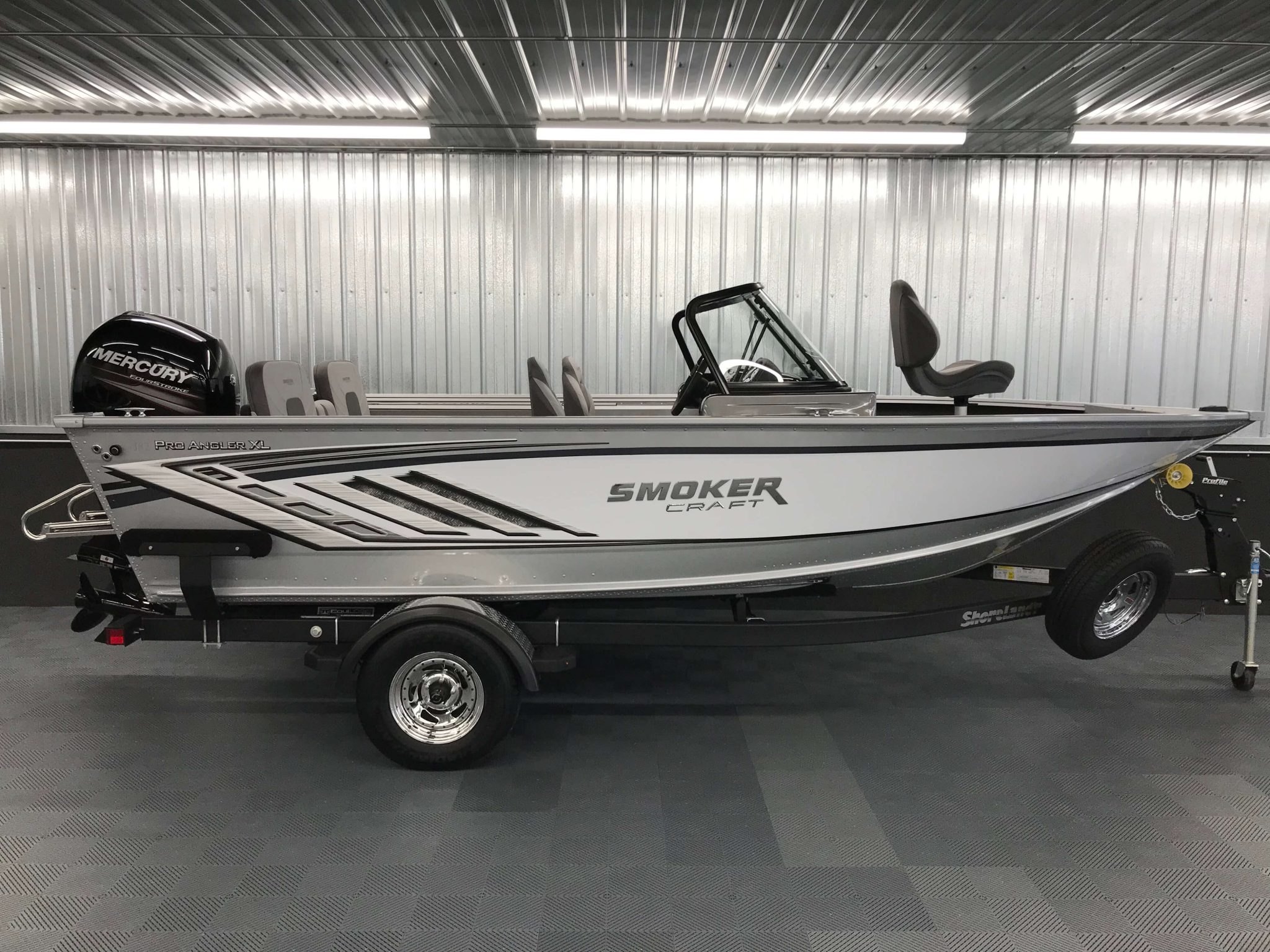 2019 Smoker Craft 182 Pro Angler XL White 3