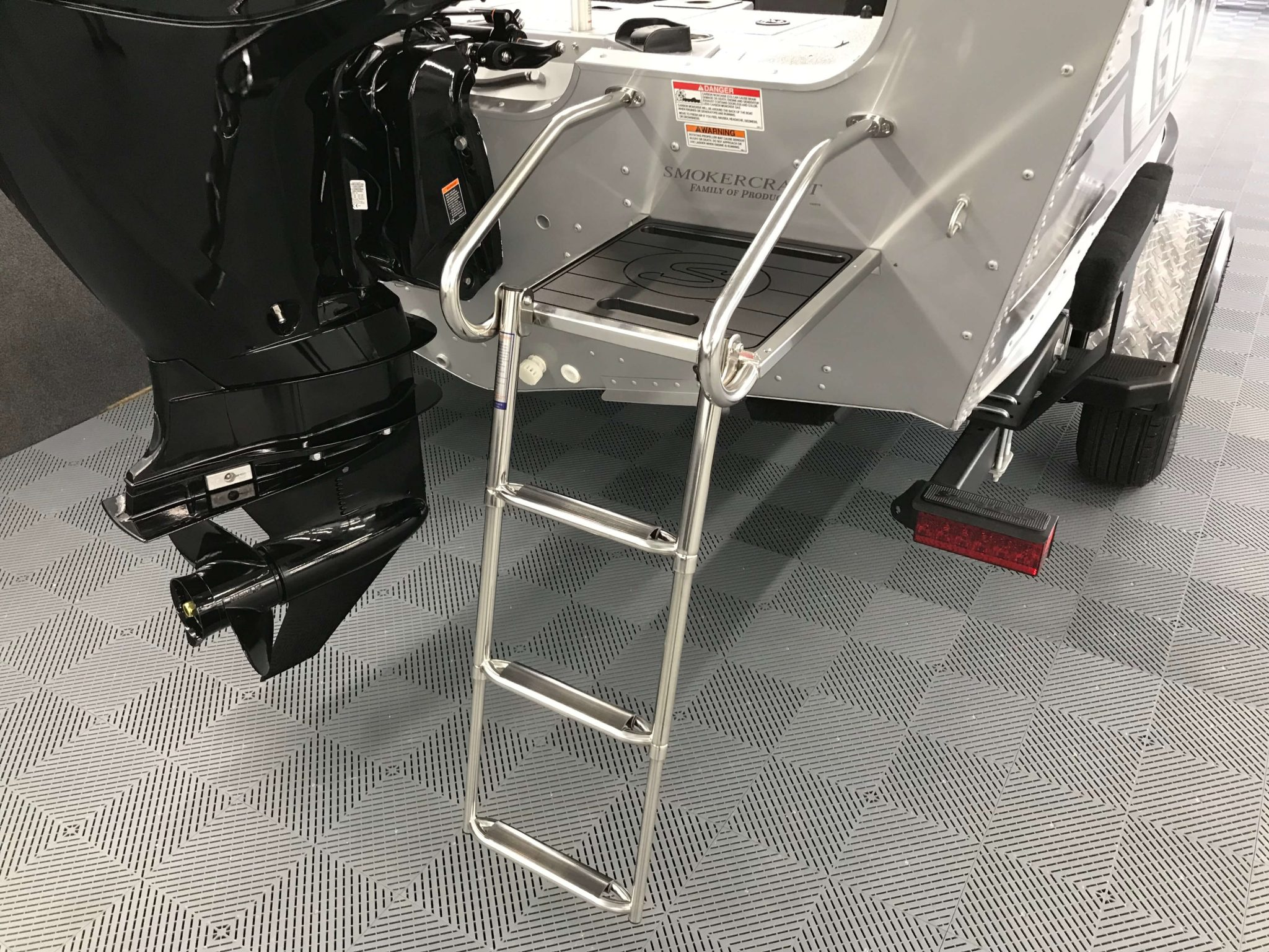 2019 Smoker Craft 182 Ultima Rear Ladder 2