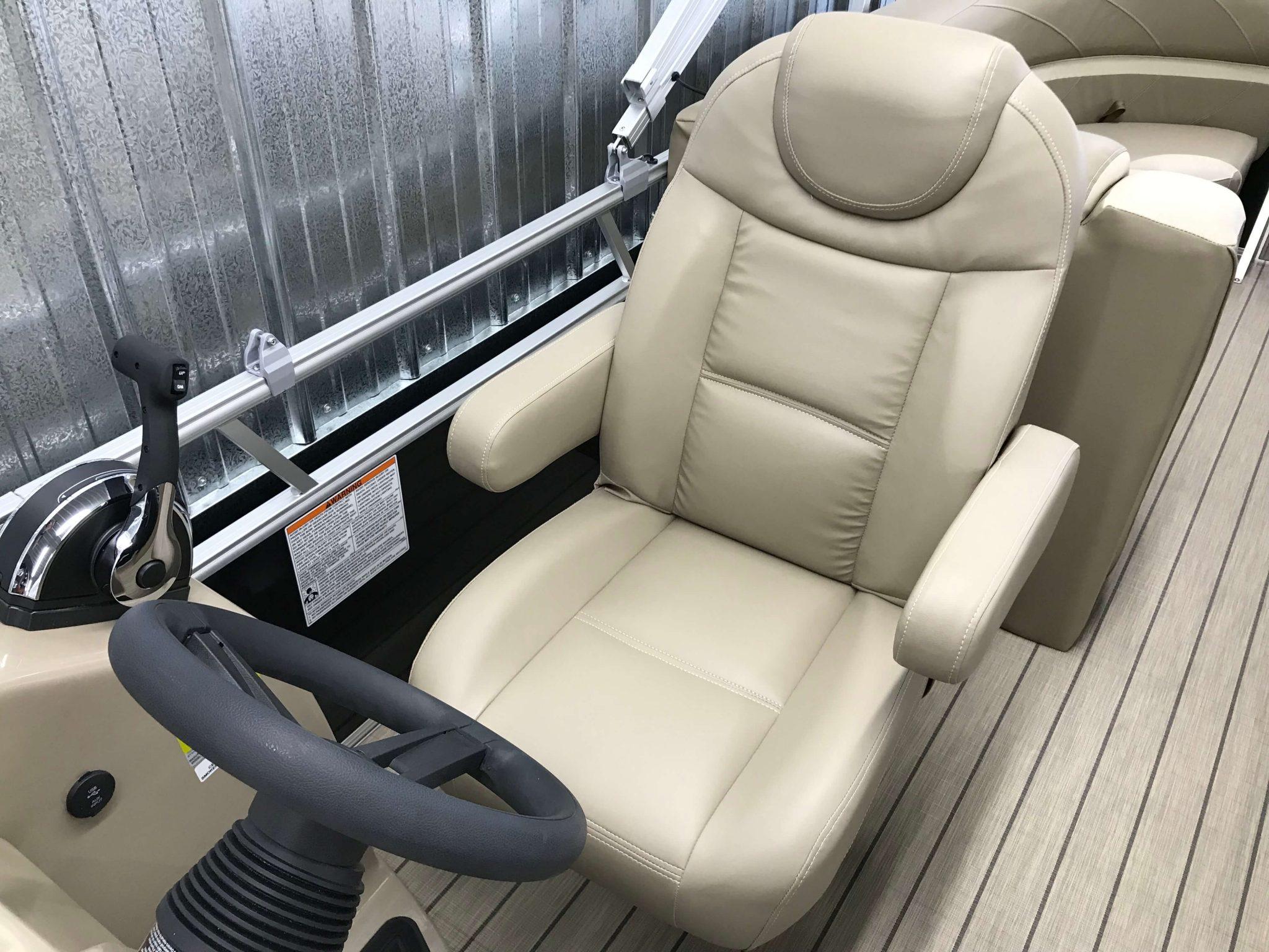 2019 SunChaser Geneva 22 LR High Back Helm Chair