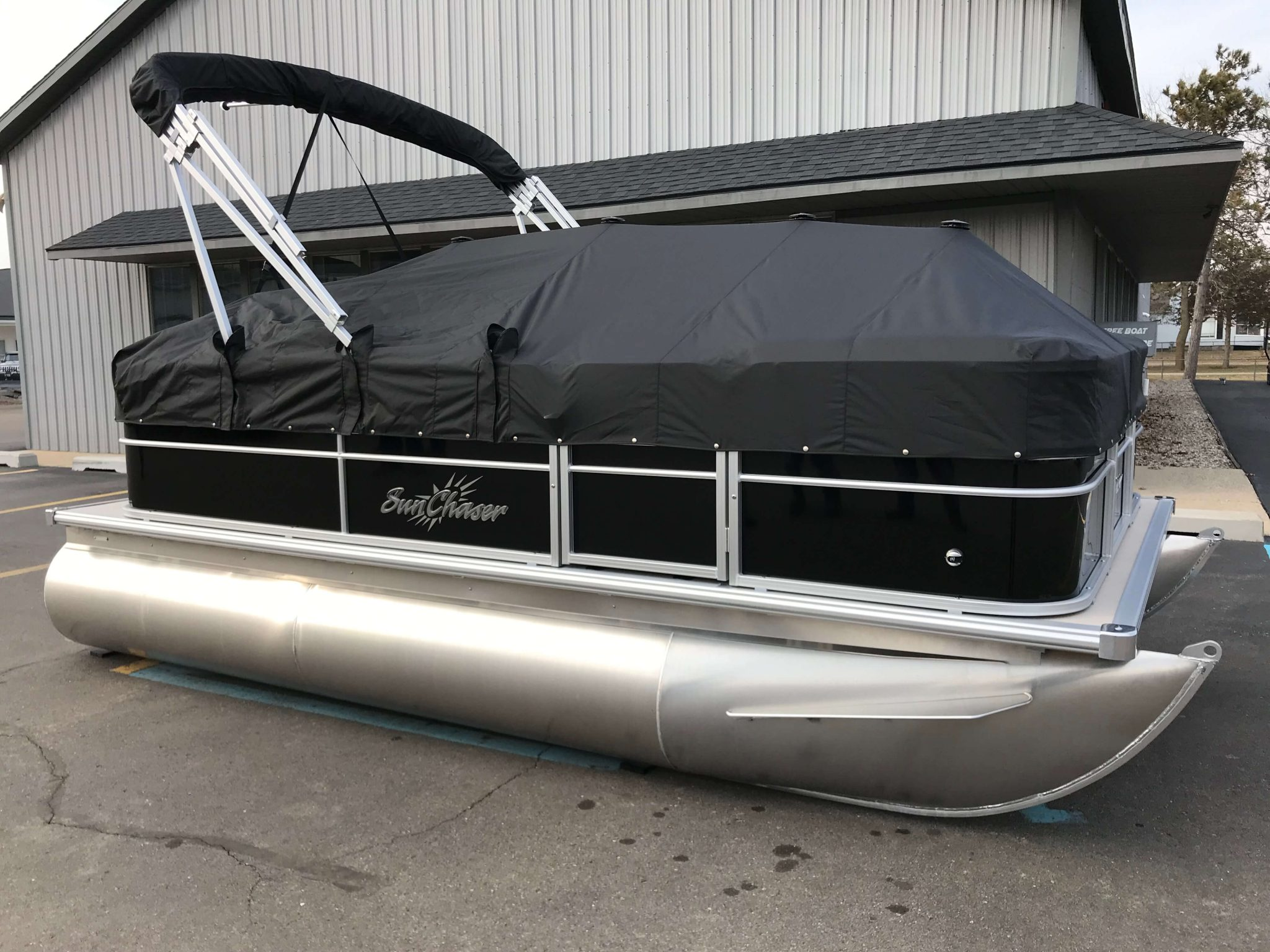 2019 SunChaser Oasis 816 Cruise Black Cover