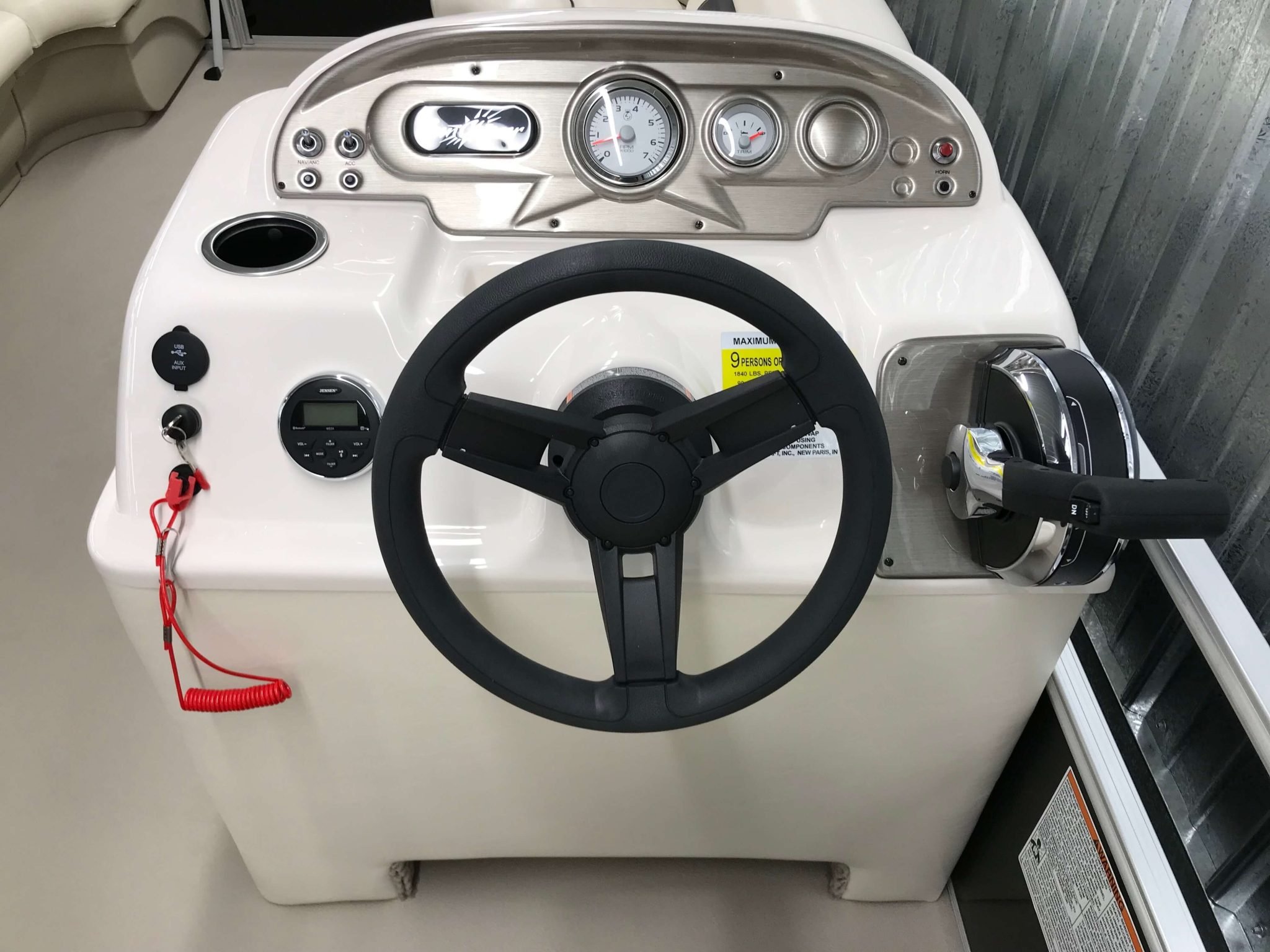 2019 SunChaser Oasis 820 Cruise Helm And Dash