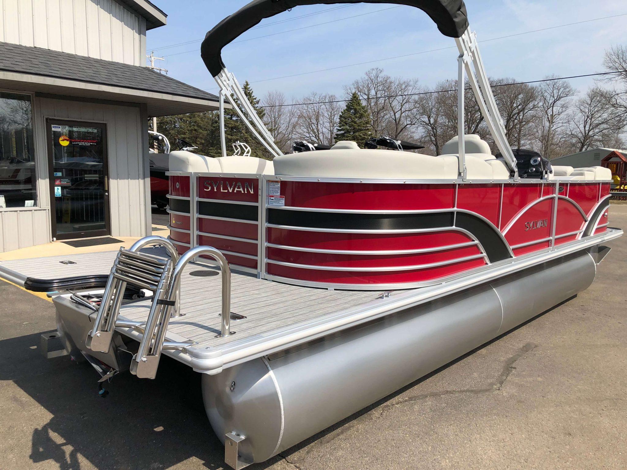 2019 Sylvan 8522 LZ LES Red Black Extended Swim Deck 1