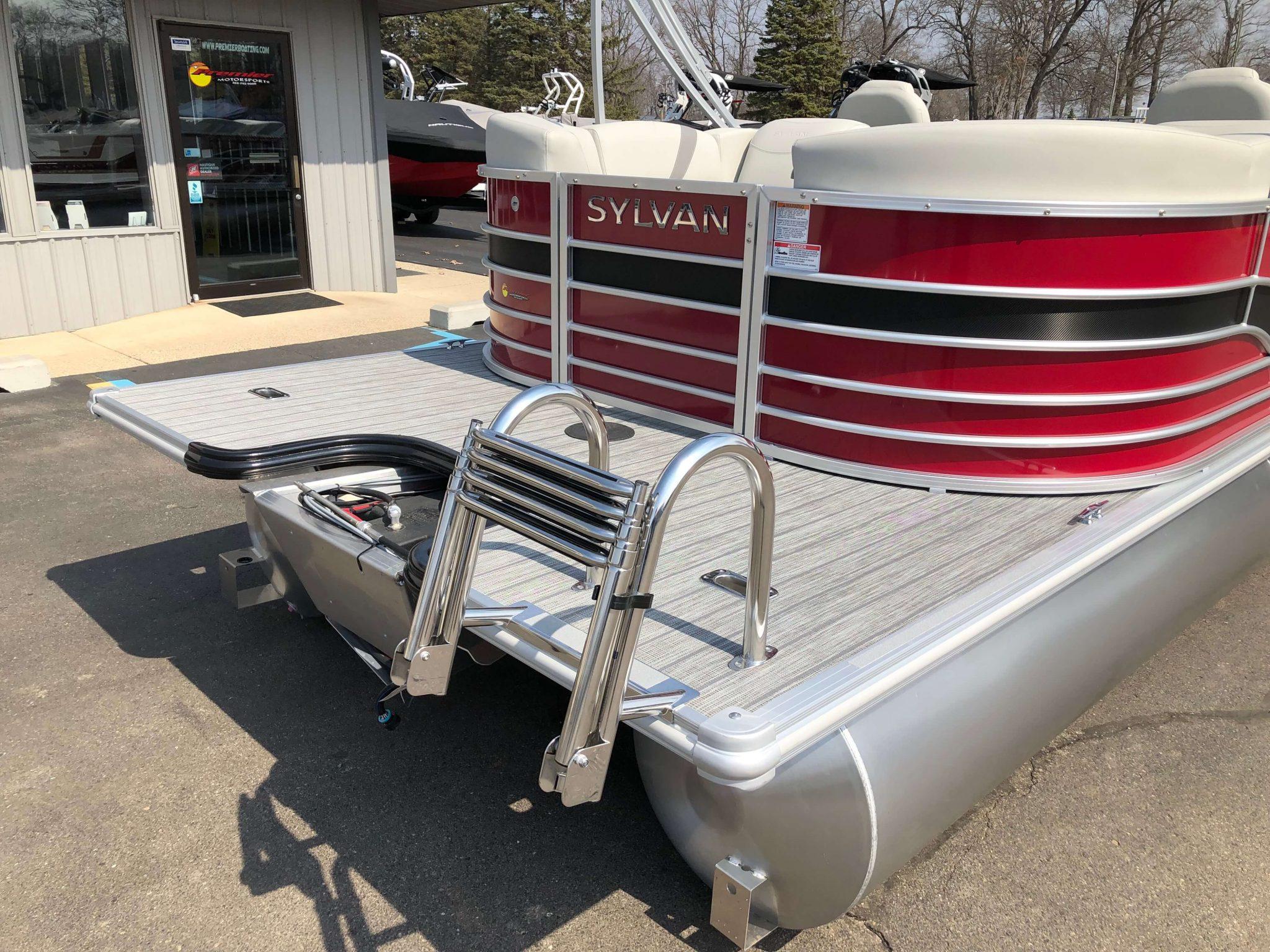 2019 Sylvan 8522 LZ LES Red Black Extended Swim Deck 2
